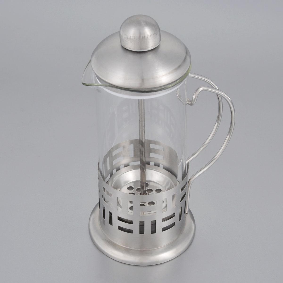 Френч-пресс Bohmann, 350 мл. 9535BH54 009305Френч-пресс Bohmann используется для заваривания крупнолистового чая, кофе среднего помола, травяных сборов. Изготовлен из высококачественной нержавеющей стали и термостойкого стекла, выдерживающего высокую температуру, что придает ему надежность и долговечность. Френч-пресс Bohmann незаменим для любителей чая и кофе.Можно мыть в посудомоечной машине.Объем: 350 мл.Высота (с учетом крышки): 18 см.Диаметр (по верхнему краю): 7,5 см.