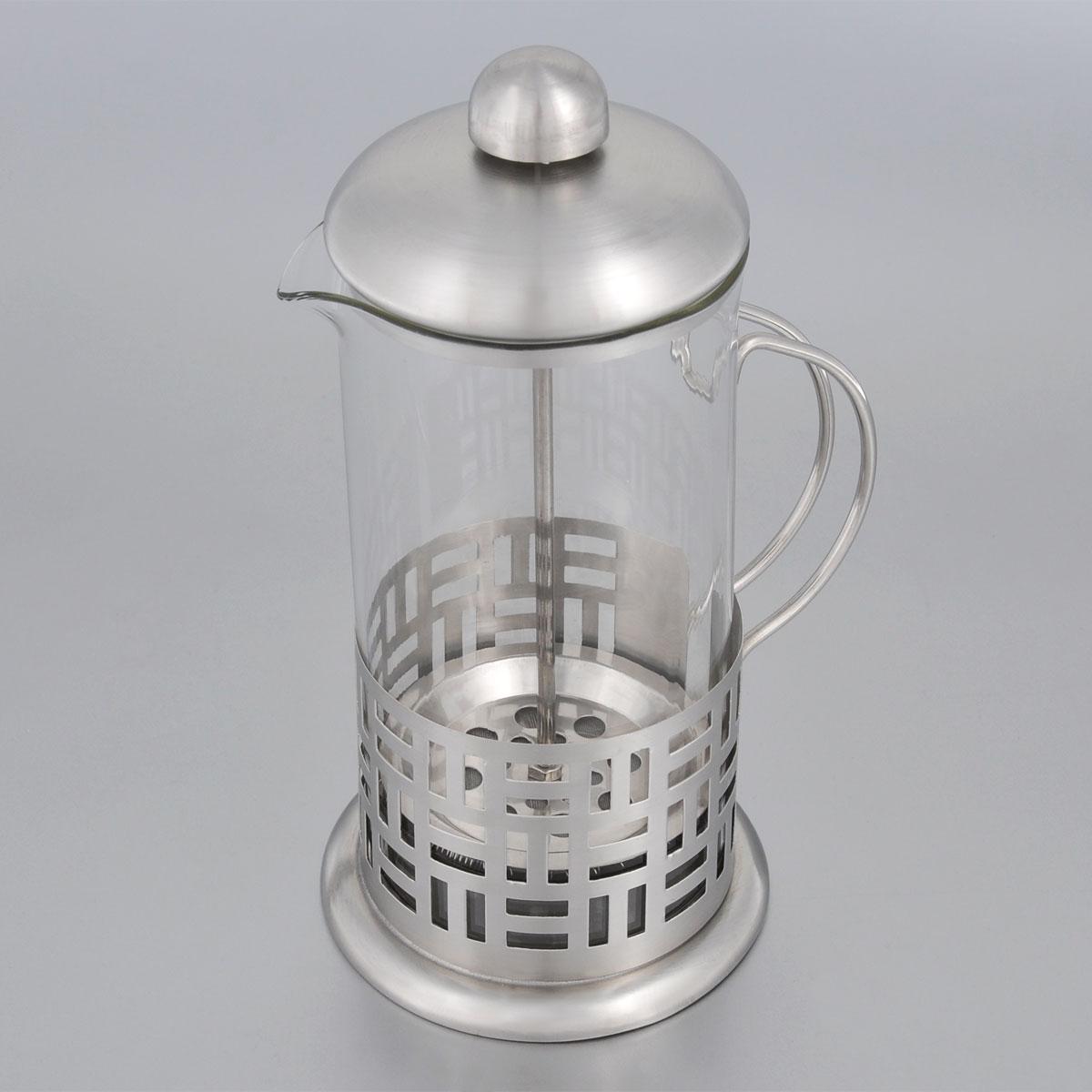 Френч-пресс Bohmann, 600 мл. 9560BH391602Френч-пресс Bohmann используется для заваривания крупнолистового чая, кофе среднего помола, травяных сборов. Изготовлен из высококачественной нержавеющей стали и термостойкого стекла, выдерживающего высокую температуру, что придает ему надежность и долговечность. Френч-пресс Bohmann незаменим для любителей чая и кофе.Можно мыть в посудомоечной машине.Объем: 600 мл.Высота (с учетом крышки): 21 см.Диаметр (по верхнему краю): 9 см.
