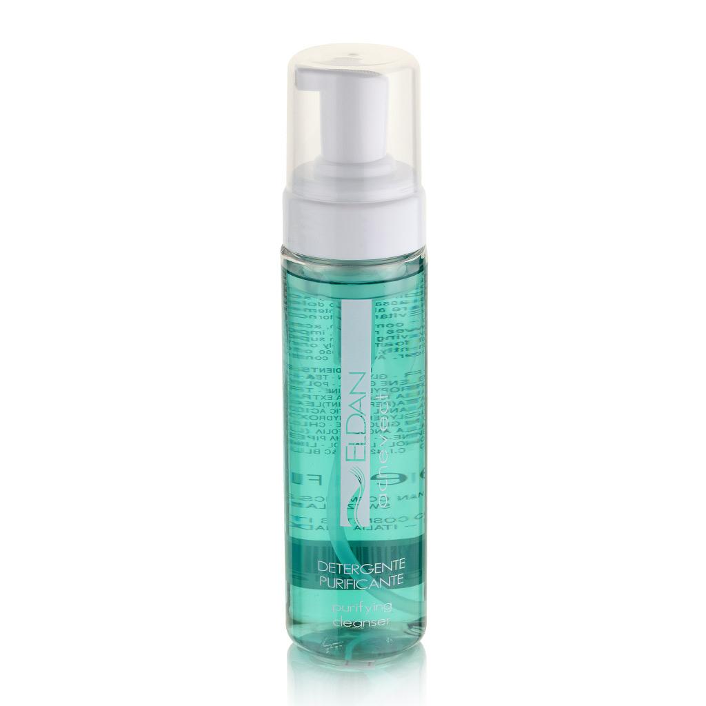 ELDAN cosmetics Очищающее средство для проблемной кожи лица Le Prestige, 200 млFS-00897Легкая пенка, предназначенная для очищения жирной и проблемной кожи с выраженным гиперкератозом. Обладает антибактериальным, противогрибковым и противовоспалительным действием. Гликолевая и молочная кислоты ускоряют процессы эксфолиации, уменьшают проявления гиперкератоза, улучшают отток кожного секрета, глубоко увлажняют и делают менее заметными следы от постакне. Масло лаванды и мяты оказывают ранозаживляющее, успокаивающее и антисептическое действие. Средство уменьшает явления раздражения и воспаления, способствует размягчению комедонов, обладает поросуживающим действием, делая кожу мягкой и чистой.