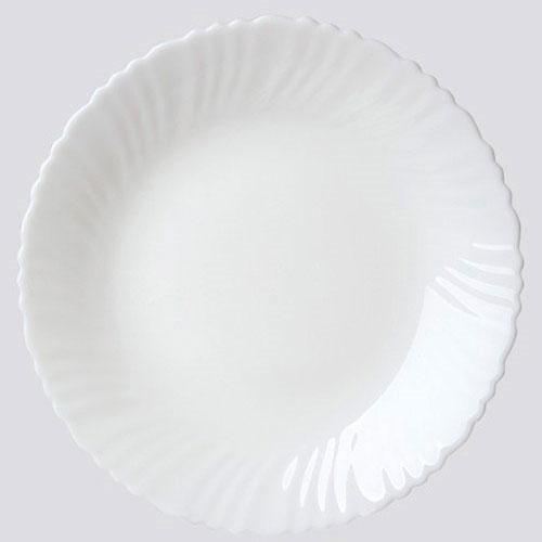 Тарелка обеденная Chinbull, диаметр 24 смOLHP-95Обеденная тарелка Chinbull, изготовленная из высококачественной стеклокерамики. Изящный дизайн придется по вкусу и ценителям классики, и тем, кто предпочитает утонченность. Тарелка Chinbull идеально подойдет для сервировки стола и станет отличным подарком к любому празднику.Диаметр (по верхнему краю): 24 см.