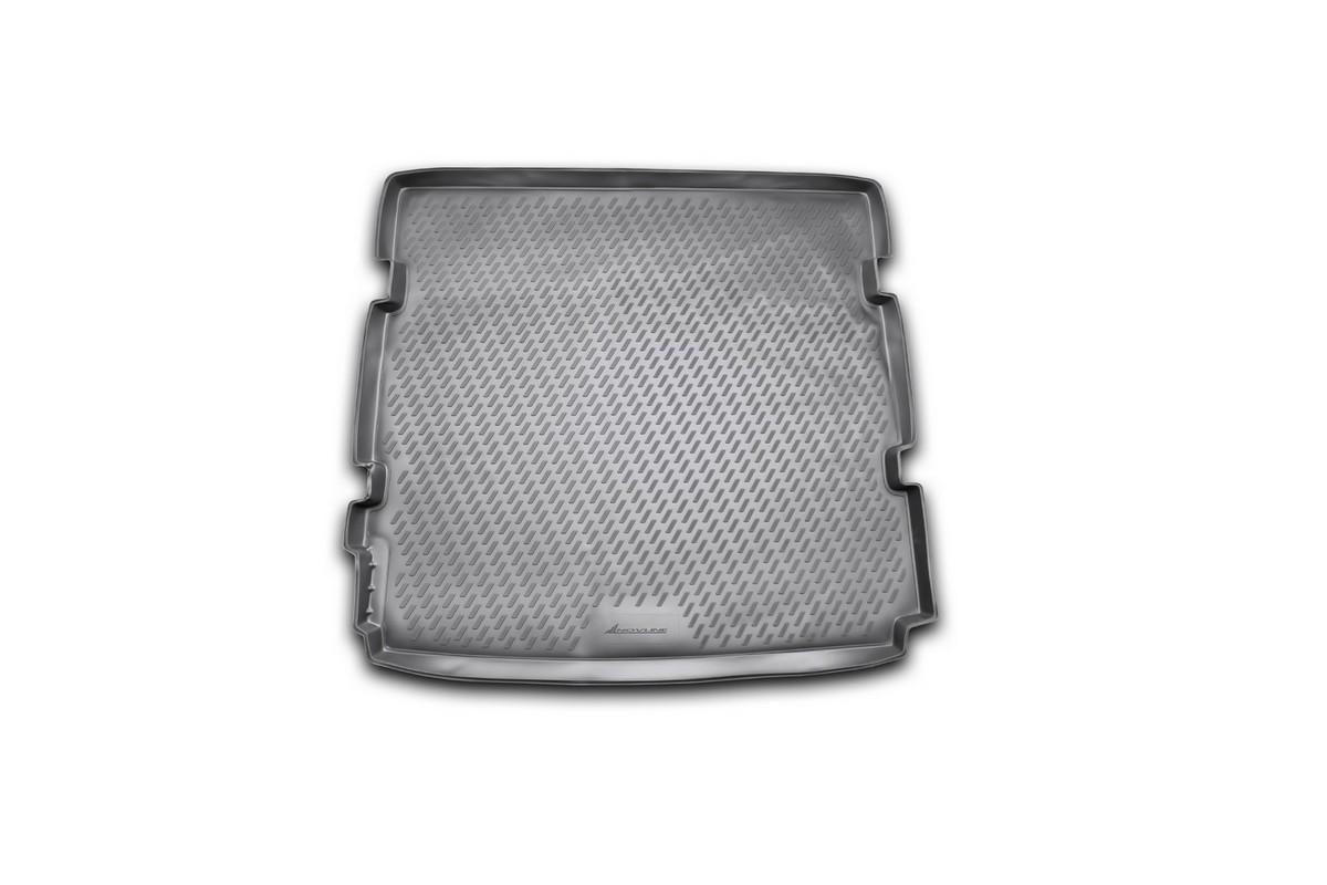 Коврик автомобильный Novline-Autofamily для Chevrolet Orlando минивэн 2011-, в багажник. CARCHV00026FA-5125-1 BlueАвтомобильный коврик Novline-Autofamily, изготовленный из полиуретана, позволит вам без особых усилий содержать в чистоте багажный отсек вашего авто и при этом перевозить в нем абсолютно любые грузы. Этот модельный коврик идеально подойдет по размерам багажнику вашего автомобиля. Такой автомобильный коврик гарантированно защитит багажник от грязи, мусора и пыли, которые постоянно скапливаются в этом отсеке. А кроме того, поддон не пропускает влагу. Все это надолго убережет важную часть кузова от износа. Коврик в багажнике сильно упростит для вас уборку. Согласитесь, гораздо проще достать и почистить один коврик, нежели весь багажный отсек. Тем более, что поддон достаточно просто вынимается и вставляется обратно. Мыть коврик для багажника из полиуретана можно любыми чистящими средствами или просто водой. При этом много времени у вас уборка не отнимет, ведь полиуретан устойчив к загрязнениям.Если вам приходится перевозить в багажнике тяжелые грузы, за сохранность коврика можете не беспокоиться. Он сделан из прочного материала, который не деформируется при механических нагрузках и устойчив даже к экстремальным температурам. А кроме того, коврик для багажника надежно фиксируется и не сдвигается во время поездки, что является дополнительной гарантией сохранности вашего багажа.Коврик имеет форму и размеры, соответствующие модели данного автомобиля.