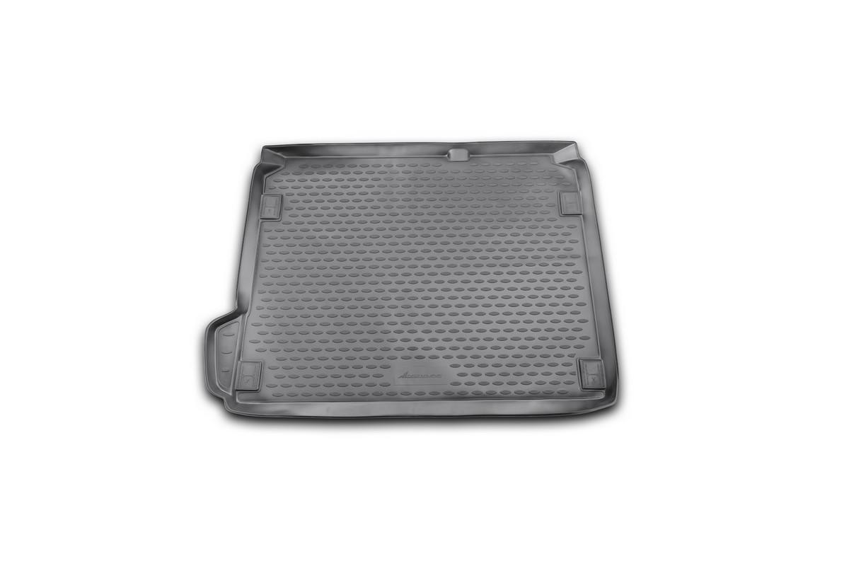 Коврик автомобильный Novline-Autofamily для Citroen C4 хэтчбек 2011-, в багажник2706 (ПО)Автомобильный коврик Novline-Autofamily, изготовленный из полиуретана, позволит вам без особых усилий содержать в чистоте багажный отсек вашего авто и при этом перевозить в нем абсолютно любые грузы. Этот модельный коврик идеально подойдет по размерам багажнику вашего автомобиля. Такой автомобильный коврик гарантированно защитит багажник от грязи, мусора и пыли, которые постоянно скапливаются в этом отсеке. А кроме того, поддон не пропускает влагу. Все это надолго убережет важную часть кузова от износа. Коврик в багажнике сильно упростит для вас уборку. Согласитесь, гораздо проще достать и почистить один коврик, нежели весь багажный отсек. Тем более, что поддон достаточно просто вынимается и вставляется обратно. Мыть коврик для багажника из полиуретана можно любыми чистящими средствами или просто водой. При этом много времени у вас уборка не отнимет, ведь полиуретан устойчив к загрязнениям.Если вам приходится перевозить в багажнике тяжелые грузы, за сохранность коврика можете не беспокоиться. Он сделан из прочного материала, который не деформируется при механических нагрузках и устойчив даже к экстремальным температурам. А кроме того, коврик для багажника надежно фиксируется и не сдвигается во время поездки, что является дополнительной гарантией сохранности вашего багажа.Коврик имеет форму и размеры, соответствующие модели данного автомобиля.