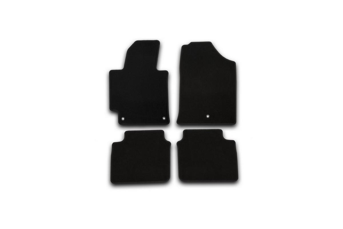 Набор автомобильных ковриков Klever для Hyundai Elantra 2014-, седан, в салон, 4 шт. KVR01205601200k54 009318Набор автомобильных ковриков Klever, изготовленный из текстиля, состоит из 4 ковриков, которые учитывают все особенности каждой модели автомобиля и полностью повторяют контуры пола. Текстильные автомобильные коврики для салона произведены из высококачественного материала, который держит форму, прочный и не пачкает обувь. Коврики в салон не только улучшат внешний вид салона вашего автомобиля, но и надежно уберегут его от пыли, грязи и сырости, а значит, защитят кузов от коррозии. Текстильные коврики для автомобиля мягкие и приятные, а их основа из вспененного полиуретана не пропускает влагу. Ковры для автомобилей надежно крепятся на полу и не скользят, что очень важно во время движения. Чистятся коврики очень просто: как при помощи автомобильного пылесоса, так и различными моющими средствами. Набор подходит для Hyundai Elantra седан с 2014 года выпуска.