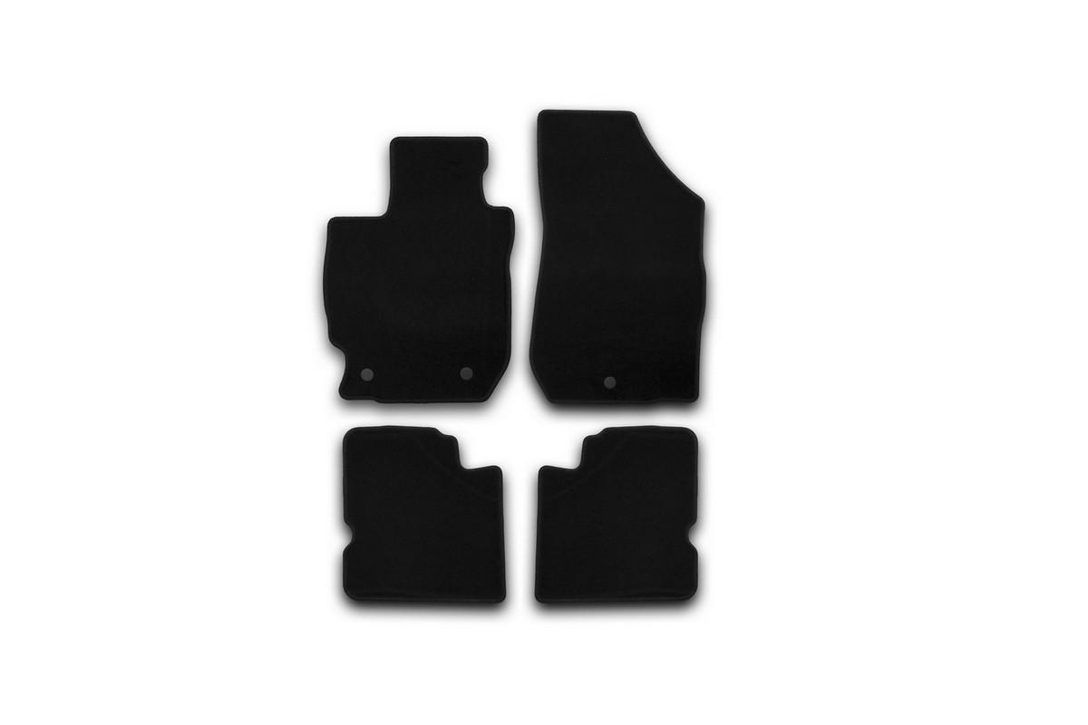Набор автомобильных ковриков Klever для Nissan Almera АКПП 2012-, седан, в салон, 4 шт. KVR01364001200kВетерок 2ГФНабор автомобильных ковриков Klever, изготовленный из текстиля, состоит из 4 ковриков, которые учитывают все особенности каждой модели автомобиля и полностью повторяют контуры пола. Текстильные автомобильные коврики для салона произведены из высококачественного материала, который держит форму, прочный и не пачкает обувь. Коврики в салон не только улучшат внешний вид салона вашего автомобиля, но и надежно уберегут его от пыли, грязи и сырости, а значит, защитят кузов от коррозии. Текстильные коврики для автомобиля мягкие и приятные, а их основа из вспененного полиуретана не пропускает влагу. Ковры для автомобилей надежно крепятся на полу и не скользят, что очень важно во время движения. Чистятся коврики очень просто: как при помощи автомобильного пылесоса, так и различными моющими средствами. Набор подходит для Nissan Almera АКПП седан с 2012 года выпуска.
