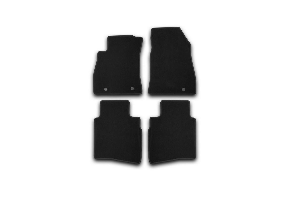 Набор автомобильных ковриков Klever для Nissan Sentra 2014-, седан, в салон, 4 шт. KVR01364101200kFS-80264Набор автомобильных ковриков Klever, изготовленный из текстиля, состоит из 4 ковриков, которые учитывают все особенности каждой модели автомобиля и полностью повторяют контуры пола. Текстильные автомобильные коврики для салона произведены из высококачественного материала, который держит форму, прочный и не пачкает обувь. Коврики в салон не только улучшат внешний вид салона вашего автомобиля, но и надежно уберегут его от пыли, грязи и сырости, а значит, защитят кузов от коррозии. Текстильные коврики для автомобиля мягкие и приятные, а их основа из вспененного полиуретана не пропускает влагу. Ковры для автомобилей надежно крепятся на полу и не скользят, что очень важно во время движения. Чистятся коврики очень просто: как при помощи автомобильного пылесоса, так и различными моющими средствами. Набор подходит для Nissan Sentra седан с 2014 года выпуска.