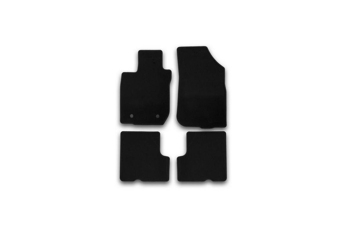 Набор автомобильных ковриков Klever для Renault Sandero 2010-, хэтчбек, в салон, 4 штВетерок 2ГФНабор автомобильных ковриков Klever, изготовленный из текстиля, состоит из 4 ковриков, которые учитывают все особенности каждой модели автомобиля и полностью повторяют контуры пола. Текстильные автомобильные коврики для салона произведены из высококачественного материала, который держит форму, прочный и не пачкает обувь. Коврики в салон не только улучшат внешний вид салона вашего автомобиля, но и надежно уберегут его от пыли, грязи и сырости, а значит, защитят кузов от коррозии. Текстильные коврики для автомобиля мягкие и приятные, а их основа из вспененного полиуретана не пропускает влагу. Ковры для автомобилей надежно крепятся на полу и не скользят, что очень важно во время движения. Чистятся коврики очень просто: как при помощи автомобильного пылесоса, так и различными моющими средствами. Набор подходит для Renault Sandero хэтчбек с 2010 года выпуска.