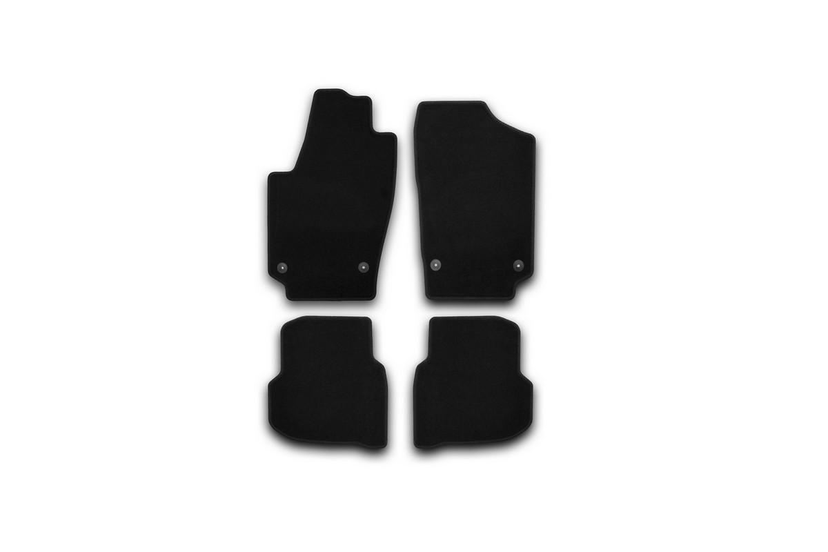 Набор автомобильных ковриков Klever для Volkswagen Polo Sedan 2010-, седан, в салон, 4 штVT-1520(SR)Набор автомобильных ковриков Klever, изготовленный из текстиля, состоит из 4 ковриков, которые учитывают все особенности каждой модели автомобиля и полностью повторяют контуры пола. Текстильные автомобильные коврики для салона произведены из высококачественного материала, который держит форму, прочный и не пачкает обувь. Коврики в салон не только улучшат внешний вид салона вашего автомобиля, но и надежно уберегут его от пыли, грязи и сырости, а значит, защитят кузов от коррозии. Текстильные коврики для автомобиля мягкие и приятные, а их основа из вспененного полиуретана не пропускает влагу. Ковры для автомобилей надежно крепятся на полу и не скользят, что очень важно во время движения. Чистятся коврики очень просто: как при помощи автомобильного пылесоса, так и различными моющими средствами. Набор подходит для Volkswagen Polo Sedan седан с 2010 года выпуска.