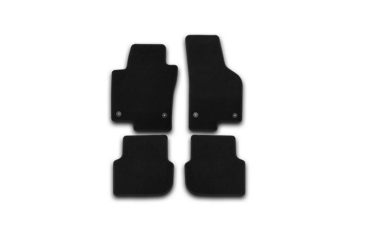 Набор автомобильных ковриков Klever для Volkswagen Jetta 2011-, седан, в салон, 4 шт. KVR01513801200k240000Набор автомобильных ковриков Klever, изготовленный из текстиля, состоит из 4 ковриков, которые учитывают все особенности каждой модели автомобиля и полностью повторяют контуры пола. Текстильные автомобильные коврики для салона произведены из высококачественного материала, который держит форму, прочный и не пачкает обувь. Коврики в салон не только улучшат внешний вид салона вашего автомобиля, но и надежно уберегут его от пыли, грязи и сырости, а значит, защитят кузов от коррозии. Текстильные коврики для автомобиля мягкие и приятные, а их основа из вспененного полиуретана не пропускает влагу. Ковры для автомобилей надежно крепятся на полу и не скользят, что очень важно во время движения. Чистятся коврики очень просто: как при помощи автомобильного пылесоса, так и различными моющими средствами. Набор подходит для Volkswagen Jetta седан с 2011 года выпуска.
