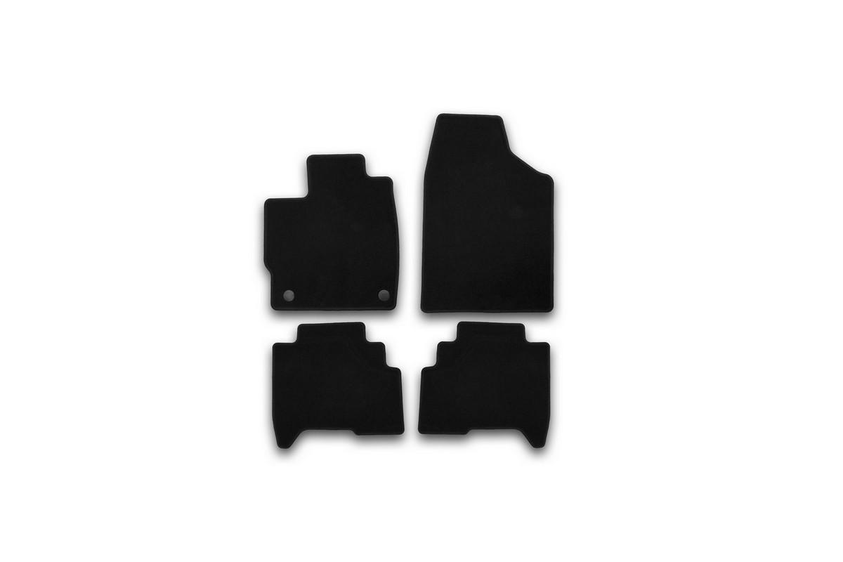Набор автомобильных ковриков Klever для Lifan X 50 2015-, кроссовер, в салон, 4 штВетерок 2ГФНабор автомобильных ковриков Klever, изготовленный из текстиля, состоит из 4 ковриков, которые учитывают все особенности каждой модели автомобиля и полностью повторяют контуры пола. Текстильные автомобильные коврики для салона произведены из высококачественного материала, который держит форму, прочный и не пачкает обувь. Коврики в салон не только улучшат внешний вид салона вашего автомобиля, но и надежно уберегут его от пыли, грязи и сырости, а значит, защитят кузов от коррозии. Текстильные коврики для автомобиля мягкие и приятные, а их основа из вспененного полиуретана не пропускает влагу. Ковры для автомобилей надежно крепятся на полу и не скользят, что очень важно во время движения. Чистятся коврики очень просто: как при помощи автомобильного пылесоса, так и различными моющими средствами. Набор подходит для Lifan X 50 кроссовер с 2015 года выпуска.