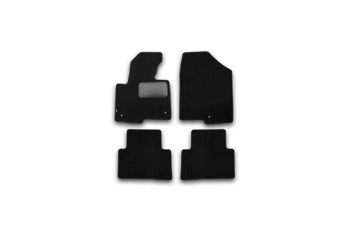 Набор автомобильных ковриков Klever для Hyundai Santa Fe АКПП 2012-, кроссовер, в салон, 4 шт. KVR02205401210khCA-3505Набор автомобильных ковриков Klever, изготовленный из текстиля, состоит из 4 ковриков, которые учитывают все особенности каждой модели автомобиля и полностью повторяют контуры пола. Текстильные автомобильные коврики для салона произведены из высококачественного материала, который держит форму, прочный и не пачкает обувь. Коврики в салон не только улучшат внешний вид салона вашего автомобиля, но и надежно уберегут его от пыли, грязи и сырости, а значит, защитят кузов от коррозии. Текстильные коврики для автомобиля мягкие и приятные, а их основа из вспененного полиуретана не пропускает влагу. Ковры для автомобилей надежно крепятся на полу и не скользят, что очень важно во время движения. Чистятся коврики очень просто: как при помощи автомобильного пылесоса, так и различными моющими средствами. Набор подходит для Hyundai Santa Fe АКПП кроссовер с 2012 года выпуска.