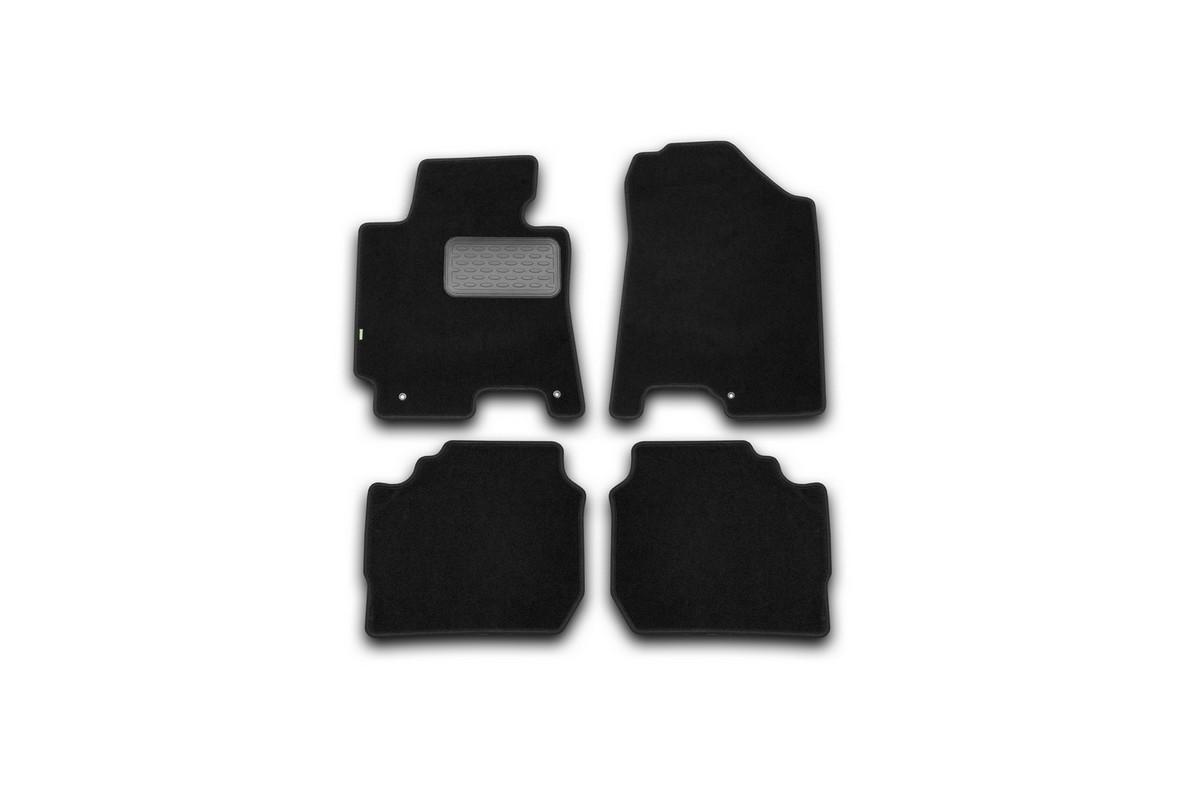 Набор автомобильных ковриков Klever для Kia Cerato АКПП 2013-, седан, в салон, 4 шт. KVR02254801210khDH2400D/ORНабор автомобильных ковриков Klever, изготовленный из текстиля, состоит из 4 ковриков, которые учитывают все особенности каждой модели автомобиля и полностью повторяют контуры пола. Текстильные автомобильные коврики для салона произведены из высококачественного материала, который держит форму, прочный и не пачкает обувь. Коврики в салон не только улучшат внешний вид салона вашего автомобиля, но и надежно уберегут его от пыли, грязи и сырости, а значит, защитят кузов от коррозии. Текстильные коврики для автомобиля мягкие и приятные, а их основа из вспененного полиуретана не пропускает влагу. Ковры для автомобилей надежно крепятся на полу и не скользят, что очень важно во время движения. Чистятся коврики очень просто: как при помощи автомобильного пылесоса, так и различными моющими средствами. Набор подходит для Kia Cerato АКПП седан с 2013 года выпуска.