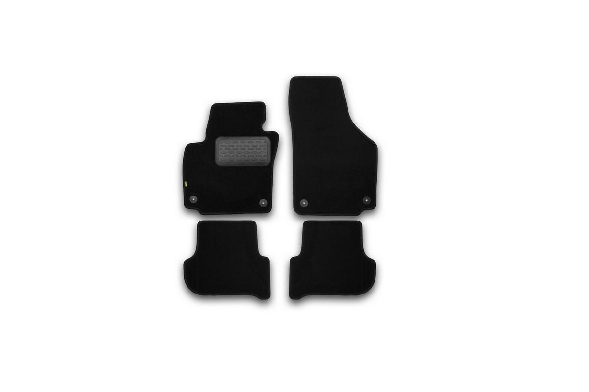 Набор автомобильных ковриков Klever для Skoda Yeti 2009-, кроссовер, в салон, 4 шт. KVR02451001210khDH2400D/ORНабор автомобильных ковриков Klever, изготовленный из текстиля, состоит из 4 ковриков, которые учитывают все особенности каждой модели автомобиля и полностью повторяют контуры пола. Текстильные автомобильные коврики для салона произведены из высококачественного материала, который держит форму, прочный и не пачкает обувь. Коврики в салон не только улучшат внешний вид салона вашего автомобиля, но и надежно уберегут его от пыли, грязи и сырости, а значит, защитят кузов от коррозии. Текстильные коврики для автомобиля мягкие и приятные, а их основа из вспененного полиуретана не пропускает влагу. Ковры для автомобилей надежно крепятся на полу и не скользят, что очень важно во время движения. Чистятся коврики очень просто: как при помощи автомобильного пылесоса, так и различными моющими средствами. Набор подходит для Skoda Yeti кроссовер с 2009 года выпуска.