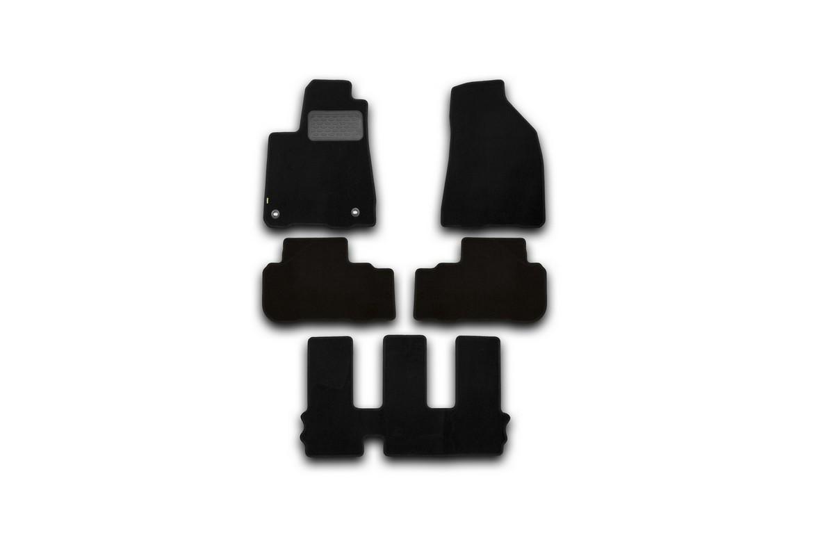 Набор автомобильных ковриков Klever для Toyota Highlander 2014-, внедорожник, в салон, 5 шт. KVR02487501210kh15805005Набор автомобильных ковриков Klever, изготовленный из текстиля, состоит из 5 ковриков, которые учитывают все особенности каждой модели автомобиля и полностью повторяют контуры пола. Текстильные автомобильные коврики для салона произведены из высококачественного материала, который держит форму, прочный и не пачкает обувь. Коврики в салон не только улучшат внешний вид салона вашего автомобиля, но и надежно уберегут его от пыли, грязи и сырости, а значит, защитят кузов от коррозии. Текстильные коврики для автомобиля мягкие и приятные, а их основа из вспененного полиуретана не пропускает влагу. Ковры для автомобилей надежно крепятся на полу и не скользят, что очень важно во время движения. Чистятся коврики очень просто: как при помощи автомобильного пылесоса, так и различными моющими средствами. Набор подходит для Toyota Highlander внедорожник с 2014 года выпуска.