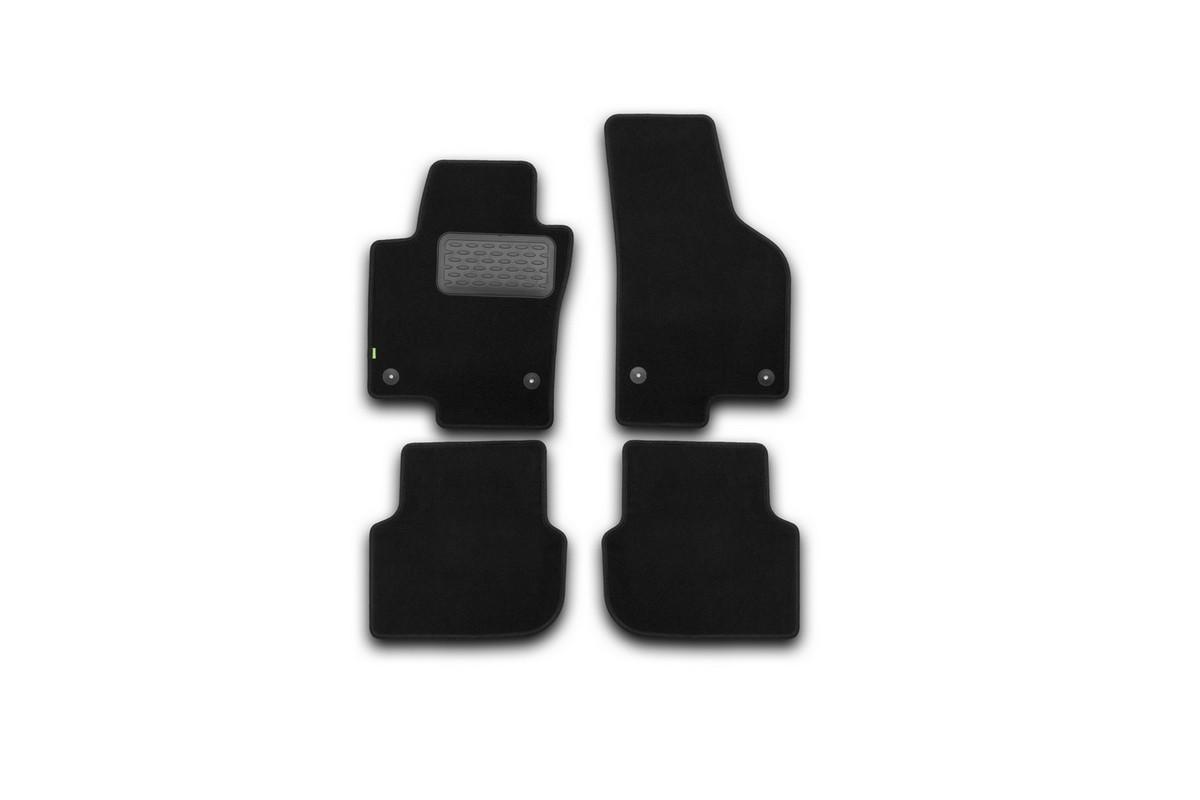Набор автомобильных ковриков Klever для Volkswagen Jetta 2011-, седан, в салон, 4 шт. KVR02513801210khNLC.48.06.210kНабор автомобильных ковриков Klever, изготовленный из текстиля, состоит из 4 ковриков, которые учитывают все особенности каждой модели автомобиля и полностью повторяют контуры пола. Текстильные автомобильные коврики для салона произведены из высококачественного материала, который держит форму, прочный и не пачкает обувь. Коврики в салон не только улучшат внешний вид салона вашего автомобиля, но и надежно уберегут его от пыли, грязи и сырости, а значит, защитят кузов от коррозии. Текстильные коврики для автомобиля мягкие и приятные, а их основа из вспененного полиуретана не пропускает влагу. Ковры для автомобилей надежно крепятся на полу и не скользят, что очень важно во время движения. Чистятся коврики очень просто: как при помощи автомобильного пылесоса, так и различными моющими средствами. Набор подходит для Volkswagen Jetta седан с 2011 года выпуска.