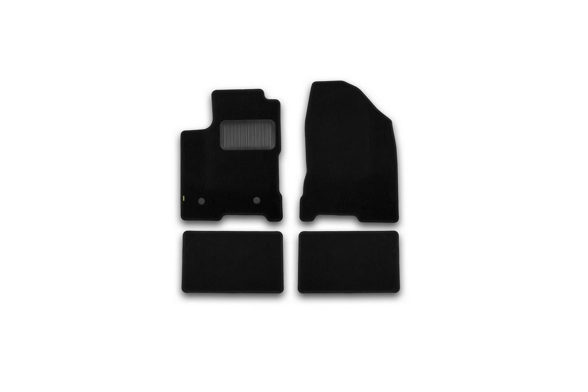 Набор автомобильных ковриков Klever для Lada Vesta 2015-, седан, в салон, 4 шт. KVR02523301210kh2706 (ПО)Набор автомобильных ковриков Klever, изготовленный из текстиля, состоит из 4 ковриков, которые учитывают все особенности каждой модели автомобиля и полностью повторяют контуры пола. Текстильные автомобильные коврики для салона произведены из высококачественного материала, который держит форму, прочный и не пачкает обувь. Коврики в салон не только улучшат внешний вид салона вашего автомобиля, но и надежно уберегут его от пыли, грязи и сырости, а значит, защитят кузов от коррозии. Текстильные коврики для автомобиля мягкие и приятные, а их основа из вспененного полиуретана не пропускает влагу. Ковры для автомобилей надежно крепятся на полу и не скользят, что очень важно во время движения. Чистятся коврики очень просто: как при помощи автомобильного пылесоса, так и различными моющими средствами. Набор подходит для Lada Vesta седан с 2015 года выпуска.