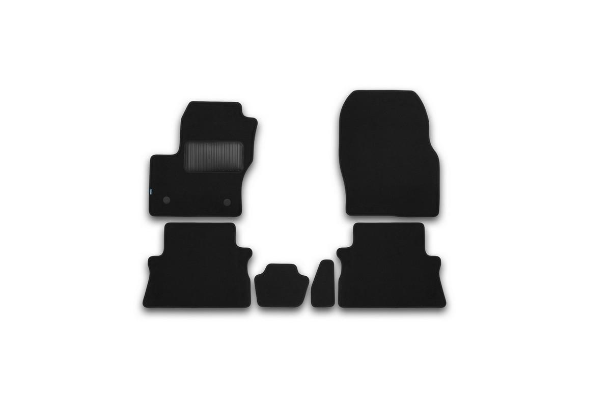 Набор автомобильных ковриков Klever для Ford Kuga 2013-, кроссовер, в салон, 6 шт. KVR03164122110kh80621Набор автомобильных ковриков Klever, изготовленный из текстиля, состоит из 6 ковриков, которые учитывают все особенности каждой модели автомобиля и полностью повторяют контуры пола. Текстильные автомобильные коврики для салона произведены из высококачественного материала, который держит форму, прочный и не пачкает обувь. Коврики в салон не только улучшат внешний вид салона вашего автомобиля, но и надежно уберегут его от пыли, грязи и сырости, а значит, защитят кузов от коррозии. Текстильные коврики для автомобиля мягкие и приятные, а их основа из вспененного полиуретана не пропускает влагу. Ковры для автомобилей надежно крепятся на полу и не скользят, что очень важно во время движения. Чистятся коврики очень просто: как при помощи автомобильного пылесоса, так и различными моющими средствами. Набор подходит для Ford Kuga кроссовер с 2013 года выпуска.