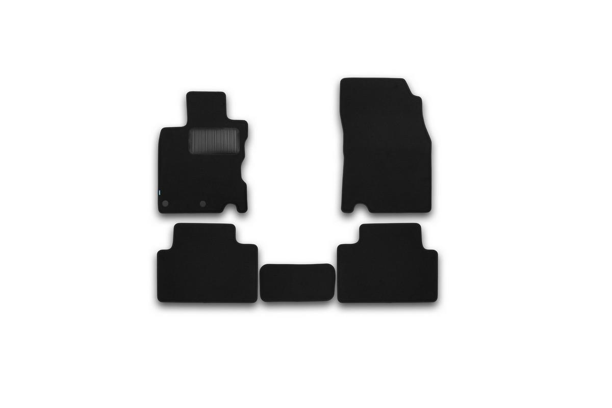 Набор автомобильных ковриков Klever для Nissan Qashqai 2014-, кроссовер, в салон, 5 шт. KVR03364322110khFS-80264Набор автомобильных ковриков Klever, изготовленный из текстиля, состоит из 5 ковриков, которые учитывают все особенности каждой модели автомобиля и полностью повторяют контуры пола. Текстильные автомобильные коврики для салона произведены из высококачественного материала, который держит форму, прочный и не пачкает обувь. Коврики в салон не только улучшат внешний вид салона вашего автомобиля, но и надежно уберегут его от пыли, грязи и сырости, а значит, защитят кузов от коррозии. Текстильные коврики для автомобиля мягкие и приятные, а их основа из вспененного полиуретана не пропускает влагу. Ковры для автомобилей надежно крепятся на полу и не скользят, что очень важно во время движения. Чистятся коврики очень просто: как при помощи автомобильного пылесоса, так и различными моющими средствами. Набор подходит для Nissan Qashqai кроссовер с 2014 года выпуска, европейской сборки.