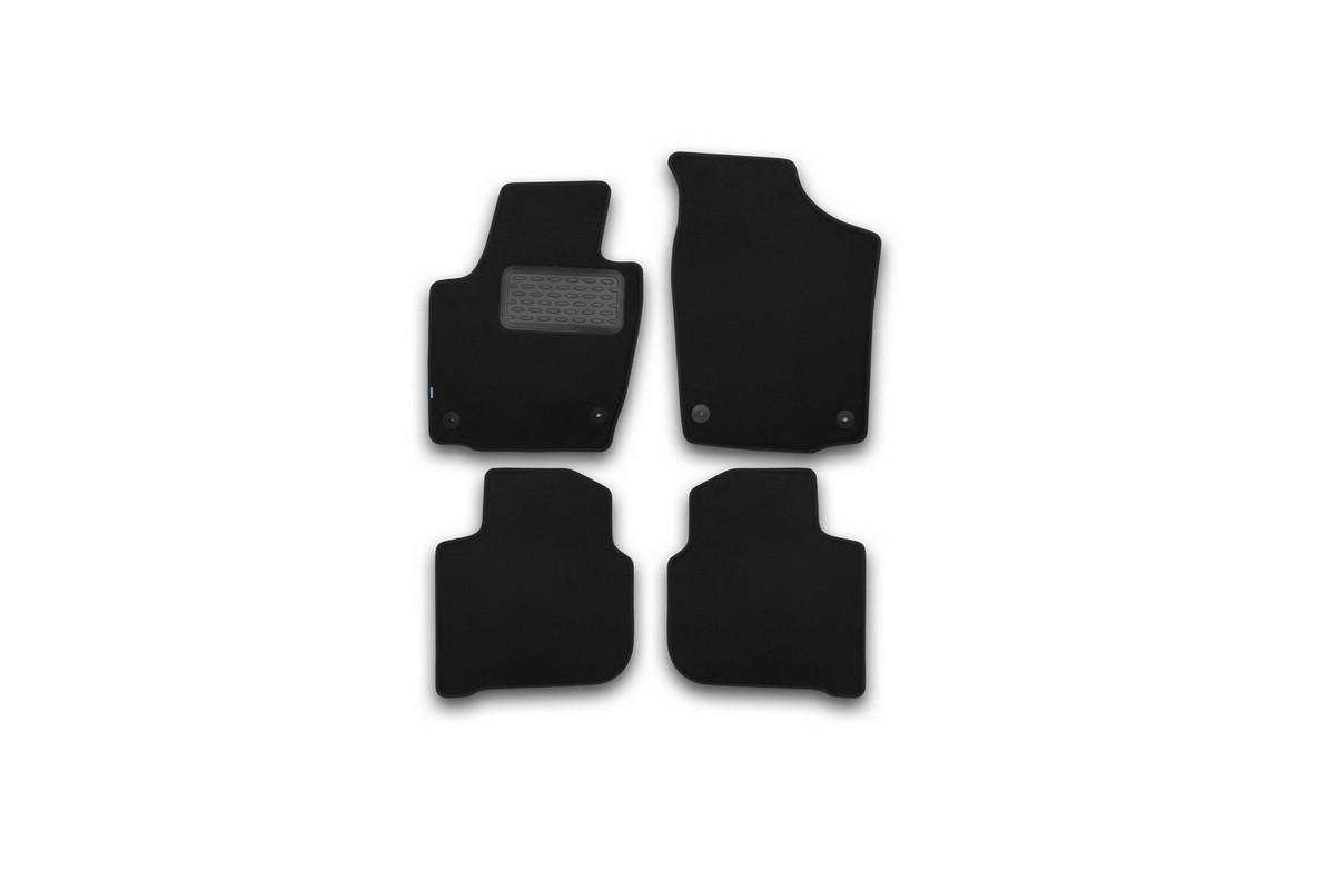 Набор автомобильных ковриков Klever для Skoda Rapid 2012-, седан, в салон, 4 шт. KVR03451722110khВетерок 2ГФНабор автомобильных ковриков Klever, изготовленный из текстиля, состоит из 4 ковриков, которые учитывают все особенности каждой модели автомобиля и полностью повторяют контуры пола. Текстильные автомобильные коврики для салона произведены из высококачественного материала, который держит форму, прочный и не пачкает обувь. Коврики в салон не только улучшат внешний вид салона вашего автомобиля, но и надежно уберегут его от пыли, грязи и сырости, а значит, защитят кузов от коррозии. Текстильные коврики для автомобиля мягкие и приятные, а их основа из вспененного полиуретана не пропускает влагу. Ковры для автомобилей надежно крепятся на полу и не скользят, что очень важно во время движения. Чистятся коврики очень просто: как при помощи автомобильного пылесоса, так и различными моющими средствами. Набор подходит для Skoda Rapid седан с 2012 года выпуска.