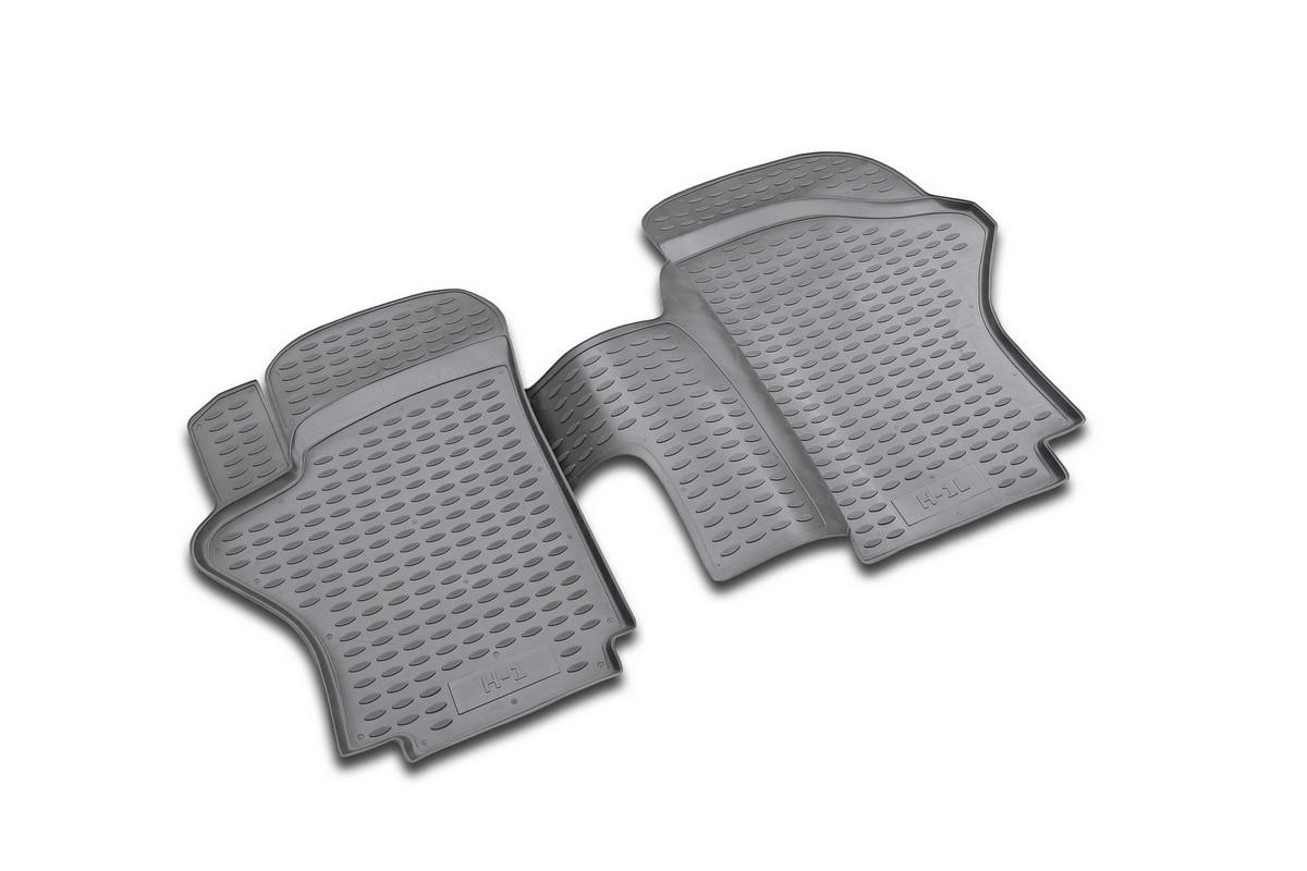 Набор автомобильных ковриков Novline-Autofamily для Hyundai H1 long 1997-2007, в салон, 2 шт98298123_черныйНабор автомобильных ковриков Novline-Autofamily, изготовленный из полиуретана, состоит из 2 ковриков, которые учитывают все особенности каждой модели автомобиля и полностью повторяют контуры пола. Полиуретановые автомобильные коврики для салона произведены из высококачественного материала, который держит форму, прочный и не пачкает обувь. Коврики в салон не только улучшат внешний вид салона вашего автомобиля, но и надежно уберегут его от пыли, грязи и сырости, а значит, защитят кузов от коррозии. Полиуретановые коврики для автомобиля гладкие, приятные и не пропускают влагу. Ковры для автомобилей надежно крепятся на полу и не скользят, что очень важно во время движения. Чистятся коврики очень просто: как при помощи автомобильного пылесоса, так и различными моющими средствами. Набор подходит для Hyundai H1 long 1997-2007 годов выпуска.