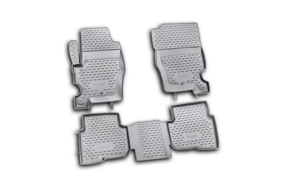 Набор автомобильных ковриков Novline-Autofamily для Land Rover Discovery 4 2010-2014, в салон, 4 шт. NLC.28.05.210hNLC.28.12.210hНабор автомобильных ковриков Novline-Autofamily, изготовленный из полиуретана, состоит из 4 ковриков, которые учитывают все особенности каждой модели автомобиля и полностью повторяют контуры пола. Полиуретановые автомобильные коврики для салона произведены из высококачественного материала, который держит форму, прочный и не пачкает обувь. Коврики в салон не только улучшат внешний вид салона вашего автомобиля, но и надежно уберегут его от пыли, грязи и сырости, а значит, защитят кузов от коррозии. Полиуретановые коврики для автомобиля гладкие, приятные и не пропускают влагу. Ковры для автомобилей надежно крепятся на полу и не скользят, что очень важно во время движения. Чистятся коврики очень просто: как при помощи автомобильного пылесоса, так и различными моющими средствами. Набор подходит для Land Rover Discovery 4 2010-2014 годов выпуска.