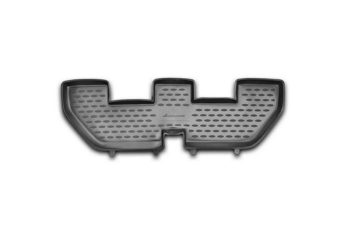 Коврик в салон автомобиля Novline-Autofamily для Land Rover Discovery 4, 2010 - 2014, 2014 -, 3-й рядВетерок 2ГФКоврик Novline-Autofamily улучшит внешний вид салона автомобиля и надежно убережет его от пыли, грязи и сырости, а значит, защитит кузов от коррозии. Полиуретановый коврик гладкий, приятный и не пропускает влагу. Полиуретановый автомобильный коврик произведен из высококачественного материала, который держит форму и не пачкает обувь. Коврик надежно крепится на полу и не скользит. Изделие из полиуретана надежно удерживает грязь и влагу, при этом всегда выглядит довольно опрятно. И чистится он очень просто: как при помощи автомобильного пылесоса, так и различными моющими средствами.