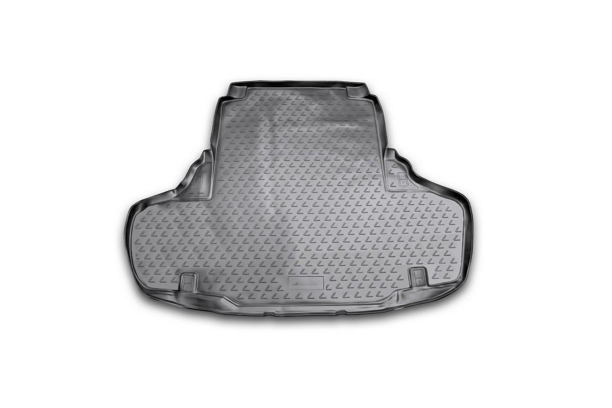 Коврик в багажник автомобиля Novline-Autofamily для Lexus GS 250/350, 2012 -CARFRD00019kАвтомобильный коврик в багажник позволит вам без особых усилий содержать в чистоте багажный отсек вашего авто и при этом перевозить в нем абсолютно любые грузы. Этот модельный коврик идеально подойдет по размерам багажнику вашего авто. Такой автомобильный коврик гарантированно защитит багажник вашего автомобиля от грязи, мусора и пыли, которые постоянно скапливаются в этом отсеке. А кроме того, поддон не пропускает влагу. Все это надолго убережет важную часть кузова от износа. Коврик в багажнике сильно упростит для вас уборку. Согласитесь, гораздо проще достать и почистить один коврик, нежели весь багажный отсек. Тем более, что поддон достаточно просто вынимается и вставляется обратно. Мыть коврик для багажника из полиуретана можно любыми чистящими средствами или просто водой. При этом много времени у вас уборка не отнимет, ведь полиуретан устойчив к загрязнениям.Если вам приходится перевозить в багажнике тяжелые грузы, за сохранность автоковрика можете не беспокоиться. Он сделан из прочного материала, который не деформируется при механических нагрузках и устойчив даже к экстремальным температурам. А кроме того, коврик для багажника надежно фиксируется и не сдвигается во время поездки - это дополнительная гарантия сохранности вашего багажа.
