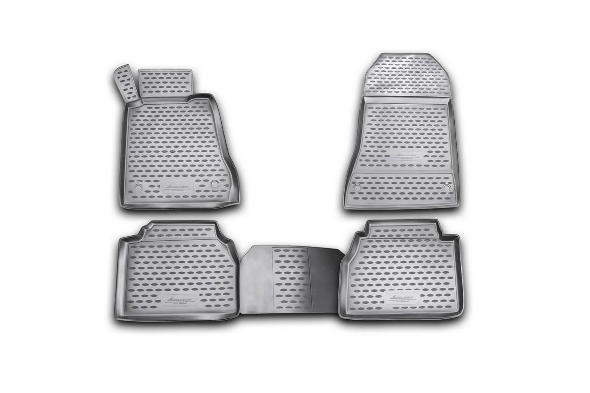 Набор автомобильных ковриков Novline-Autofamily для Mercedes-Benz E-Klasse W210 1995-2002, в салон, 4 штNLC.34.37.210kНабор автомобильных ковриков Novline-Autofamily, изготовленный из полиуретана, состоит из 4 ковриков, которые учитывают все особенности каждой модели автомобиля и полностью повторяют контуры пола. Полиуретановые автомобильные коврики для салона произведены из высококачественного материала, который держит форму, прочный и не пачкает обувь. Коврики в салон не только улучшат внешний вид салона вашего автомобиля, но и надежно уберегут его от пыли, грязи и сырости, а значит, защитят кузов от коррозии. Полиуретановые коврики для автомобиля гладкие, приятные и не пропускают влагу. Ковры для автомобилей надежно крепятся на полу и не скользят, что очень важно во время движения. Чистятся коврики очень просто: как при помощи автомобильного пылесоса, так и различными моющими средствами. Набор подходит для Mercedes-Benz E-Klasse W210 1995-2002 годов выпуска.