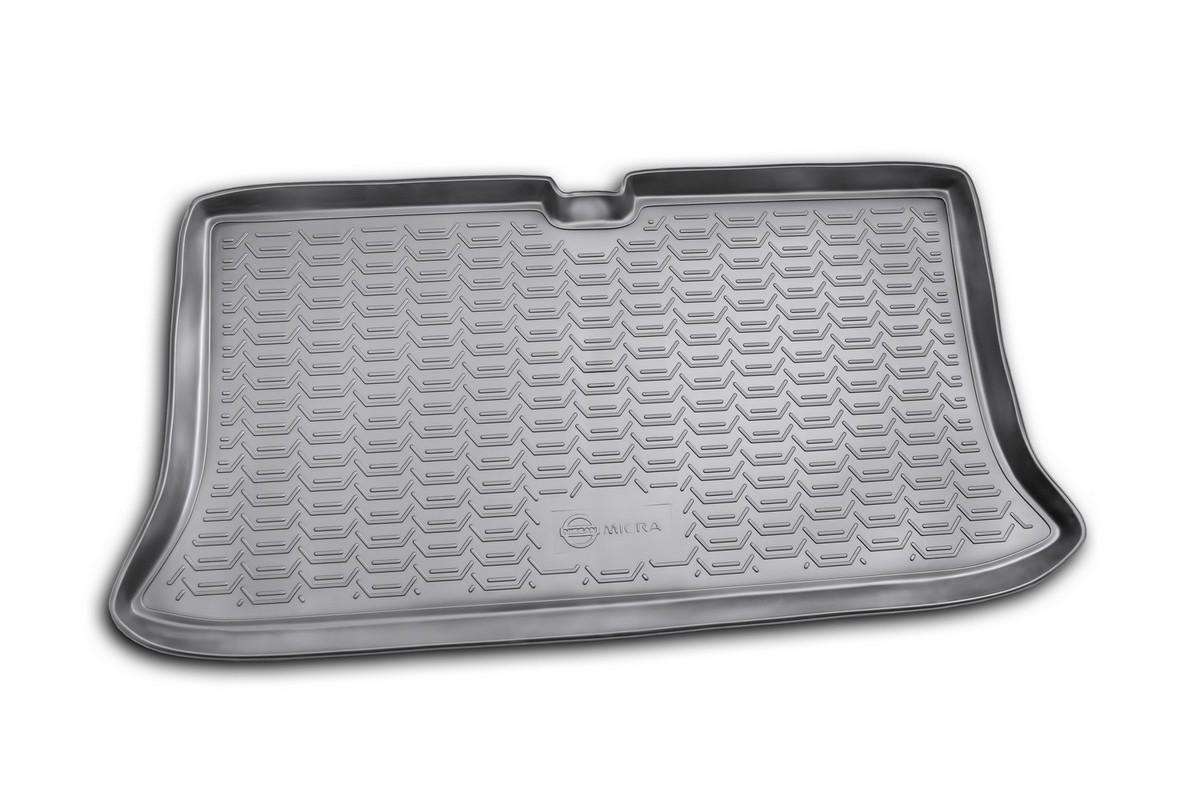 Коврик в багажник NISSAN Micra 2005->, хб. (полиуретан). NLC.36.08.B11Аксион Т-33Автомобильный коврик в багажник позволит вам без особых усилий содержать в чистоте багажный отсек вашего авто и при этом перевозить в нем абсолютно любые грузы. Этот модельный коврик идеально подойдет по размерам багажнику вашего авто. Такой автомобильный коврик гарантированно защитит багажник вашего автомобиля от грязи, мусора и пыли, которые постоянно скапливаются в этом отсеке. А кроме того, поддон не пропускает влагу. Все это надолго убережет важную часть кузова от износа. Коврик в багажнике сильно упростит для вас уборку. Согласитесь, гораздо проще достать и почистить один коврик, нежели весь багажный отсек. Тем более, что поддон достаточно просто вынимается и вставляется обратно. Мыть коврик для багажника из полиуретана можно любыми чистящими средствами или просто водой. При этом много времени у вас уборка не отнимет, ведь полиуретан устойчив к загрязнениям.Если вам приходится перевозить в багажнике тяжелые грузы, за сохранность автоковрика можете не беспокоиться. Он сделан из прочного материала, который не деформируется при механических нагрузках и устойчив даже к экстремальным температурам. А кроме того, коврик для багажника надежно фиксируется и не сдвигается во время поездки — это дополнительная гарантия сохранности вашего багажа.