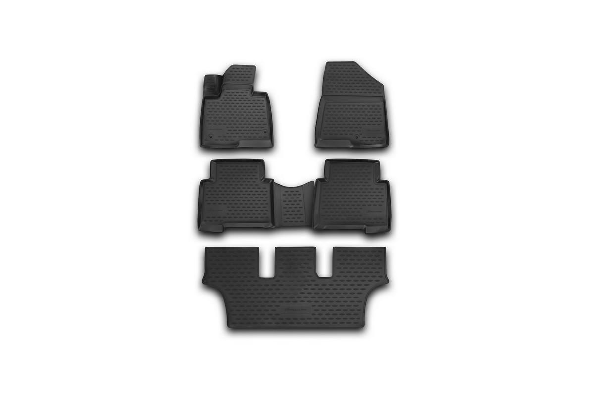 Набор автомобильных 3D-ковриков Novline-Autofamily для Hyundai Grand Fe, 2013->, в салон, 5 штВетерок 2ГФНабор Novline-Autofamily состоит из 5 ковриков, изготовленных из полиуретана.Основная функция ковров - защита салона автомобиля от загрязнения и влаги. Это достигается за счет высоких бортов, перемычки на тоннель заднего ряда сидений, элементов формы и текстуры, свойств материала, а также запатентованной технологией 3D-перемычки в зоне отдыха ноги водителя, что обеспечивает дополнительную защиту, сохраняя салон автомобиля в первозданном виде.Материал, из которого сделаны коврики, обладает антискользящими свойствами. Для фиксации ковров в салоне автомобиля в комплекте с ними используются специальные крепежи. Форма передней части водительского ковра, уходящая под педаль акселератора, исключает нештатное заедание педалей.Набор подходит для Hyundai Grand Fe с 2013 года выпуска.