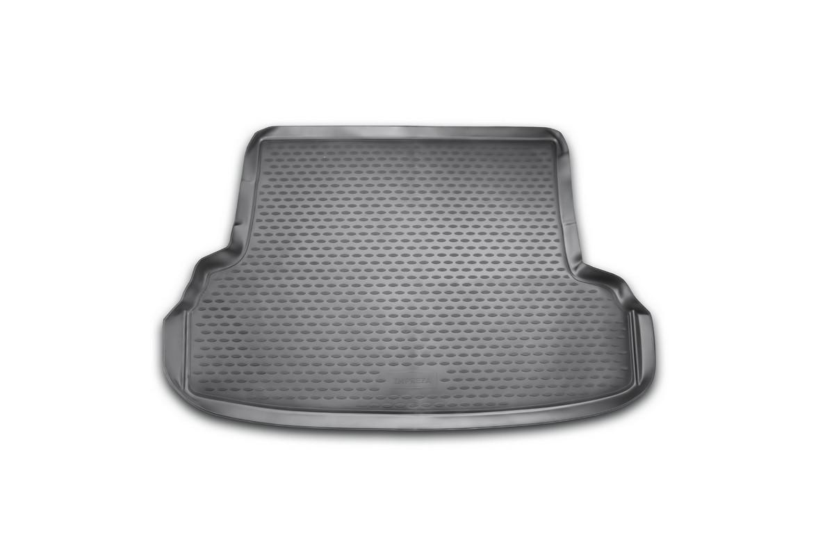 Коврик автомобильный Novline-Autofamily для Subaru Impreza седан 2007-, в багажник300240Автомобильный коврик Novline-Autofamily, изготовленный из полиуретана, позволит вам без особых усилий содержать в чистоте багажный отсек вашего авто и при этом перевозить в нем абсолютно любые грузы. Этот модельный коврик идеально подойдет по размерам багажнику вашего автомобиля. Такой автомобильный коврик гарантированно защитит багажник от грязи, мусора и пыли, которые постоянно скапливаются в этом отсеке. А кроме того, поддон не пропускает влагу. Все это надолго убережет важную часть кузова от износа. Коврик в багажнике сильно упростит для вас уборку. Согласитесь, гораздо проще достать и почистить один коврик, нежели весь багажный отсек. Тем более, что поддон достаточно просто вынимается и вставляется обратно. Мыть коврик для багажника из полиуретана можно любыми чистящими средствами или просто водой. При этом много времени у вас уборка не отнимет, ведь полиуретан устойчив к загрязнениям.Если вам приходится перевозить в багажнике тяжелые грузы, за сохранность коврика можете не беспокоиться. Он сделан из прочного материала, который не деформируется при механических нагрузках и устойчив даже к экстремальным температурам. А кроме того, коврик для багажника надежно фиксируется и не сдвигается во время поездки, что является дополнительной гарантией сохранности вашего багажа.Коврик имеет форму и размеры, соответствующие модели данного автомобиля.