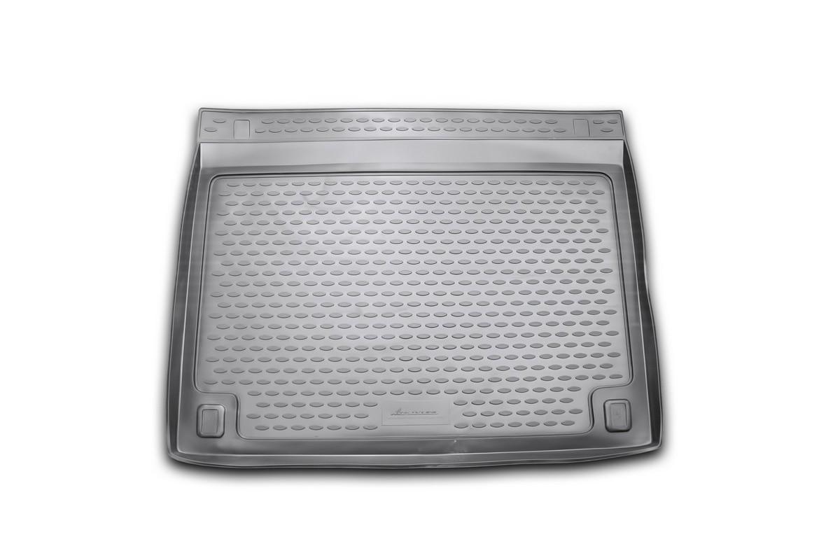 Коврик автомобильный Novline-Autofamily для Toyota FJ Cruiser 2006-, в багажникNLC.48.43.B13Автомобильный коврик Novline-Autofamily, изготовленный из полиуретана, позволит вам без особых усилий содержать в чистоте багажный отсек вашего авто и при этом перевозить в нем абсолютно любые грузы. Этот модельный коврик идеально подойдет по размерам багажнику вашего автомобиля. Такой автомобильный коврик гарантированно защитит багажник от грязи, мусора и пыли, которые постоянно скапливаются в этом отсеке. А кроме того, поддон не пропускает влагу. Все это надолго убережет важную часть кузова от износа. Коврик в багажнике сильно упростит для вас уборку. Согласитесь, гораздо проще достать и почистить один коврик, нежели весь багажный отсек. Тем более, что поддон достаточно просто вынимается и вставляется обратно. Мыть коврик для багажника из полиуретана можно любыми чистящими средствами или просто водой. При этом много времени у вас уборка не отнимет, ведь полиуретан устойчив к загрязнениям.Если вам приходится перевозить в багажнике тяжелые грузы, за сохранность коврика можете не беспокоиться. Он сделан из прочного материала, который не деформируется при механических нагрузках и устойчив даже к экстремальным температурам. А кроме того, коврик для багажника надежно фиксируется и не сдвигается во время поездки, что является дополнительной гарантией сохранности вашего багажа.Коврик имеет форму и размеры, соответствующие модели данного автомобиля.