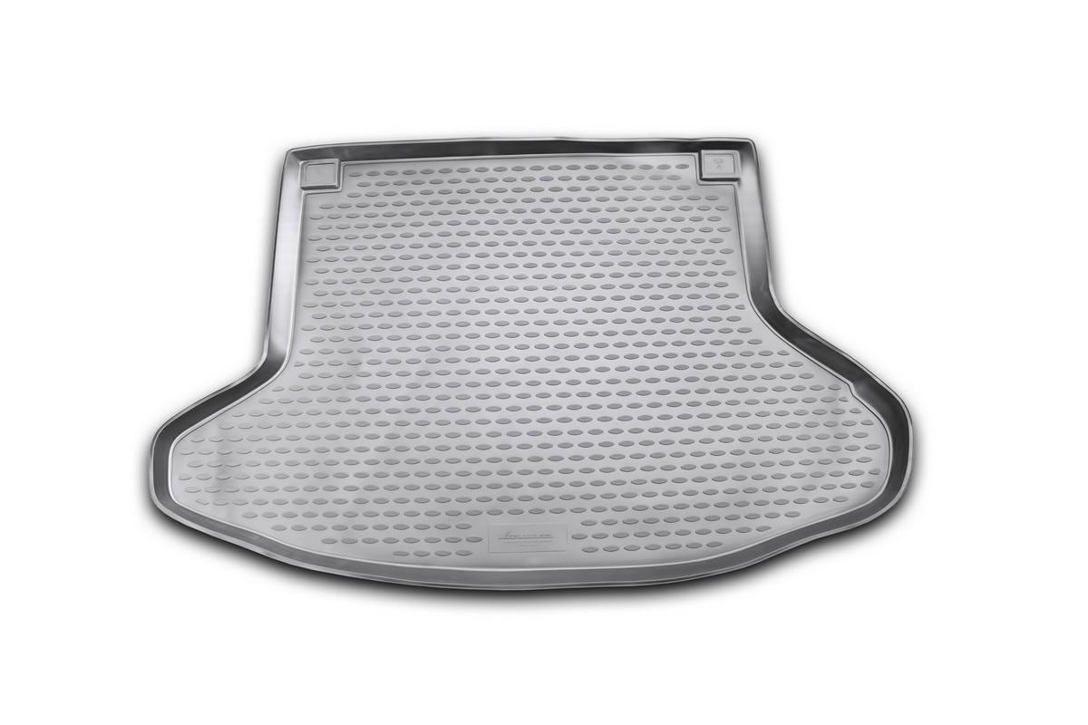 Коврик автомобильный Novline-Autofamily для Toyota Prius хэтчбек 2003-2009, в багажникNLC.48.49.B11Автомобильный коврик Novline-Autofamily, изготовленный из полиуретана, позволит вам без особых усилий содержать в чистоте багажный отсек вашего авто и при этом перевозить в нем абсолютно любые грузы. Этот модельный коврик идеально подойдет по размерам багажнику вашего автомобиля. Такой автомобильный коврик гарантированно защитит багажник от грязи, мусора и пыли, которые постоянно скапливаются в этом отсеке. А кроме того, поддон не пропускает влагу. Все это надолго убережет важную часть кузова от износа. Коврик в багажнике сильно упростит для вас уборку. Согласитесь, гораздо проще достать и почистить один коврик, нежели весь багажный отсек. Тем более, что поддон достаточно просто вынимается и вставляется обратно. Мыть коврик для багажника из полиуретана можно любыми чистящими средствами или просто водой. При этом много времени у вас уборка не отнимет, ведь полиуретан устойчив к загрязнениям.Если вам приходится перевозить в багажнике тяжелые грузы, за сохранность коврика можете не беспокоиться. Он сделан из прочного материала, который не деформируется при механических нагрузках и устойчив даже к экстремальным температурам. А кроме того, коврик для багажника надежно фиксируется и не сдвигается во время поездки, что является дополнительной гарантией сохранности вашего багажа.Коврик имеет форму и размеры, соответствующие модели данного автомобиля.