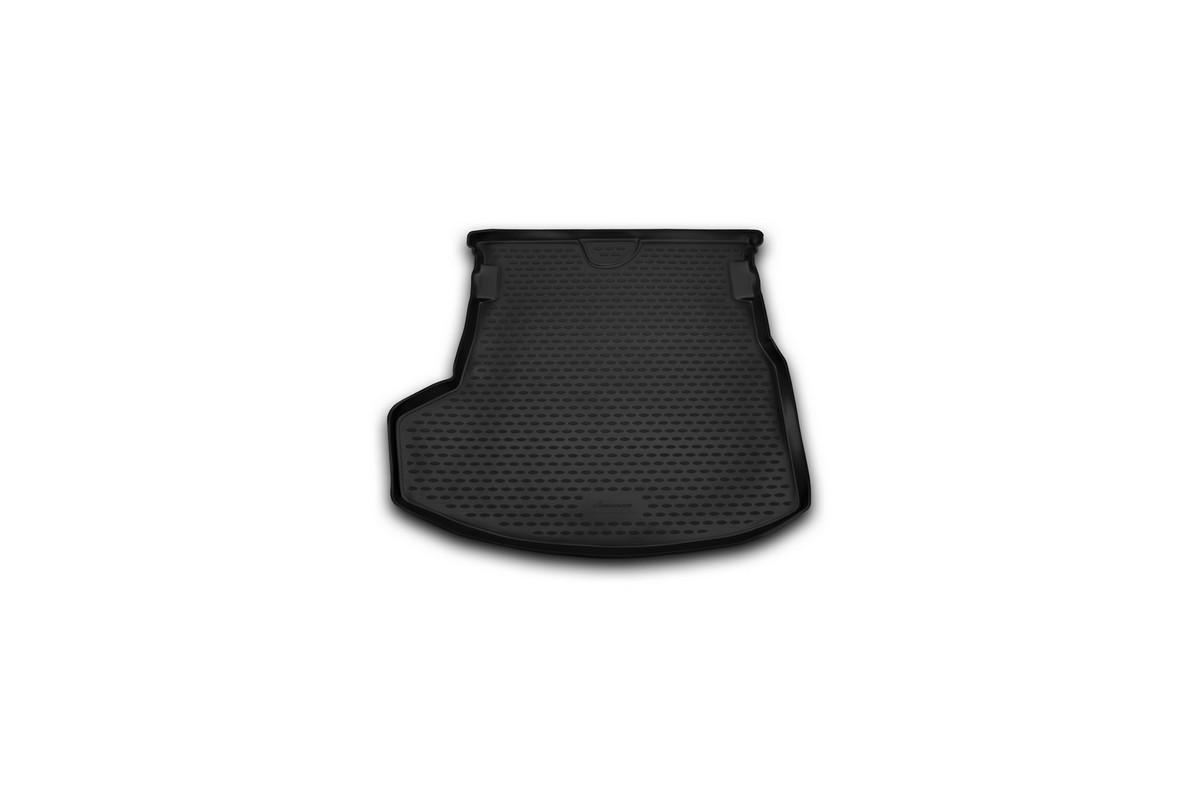 Коврик автомобильный Novline-Autofamily для Toyota Corolla седан 2013-, в багажникNLC.48.68.B10Автомобильный коврик Novline-Autofamily, изготовленный из полиуретана, позволит вам без особых усилий содержать в чистоте багажный отсек вашего авто и при этом перевозить в нем абсолютно любые грузы. Этот модельный коврик идеально подойдет по размерам багажнику вашего автомобиля. Такой автомобильный коврик гарантированно защитит багажник от грязи, мусора и пыли, которые постоянно скапливаются в этом отсеке. А кроме того, поддон не пропускает влагу. Все это надолго убережет важную часть кузова от износа. Коврик в багажнике сильно упростит для вас уборку. Согласитесь, гораздо проще достать и почистить один коврик, нежели весь багажный отсек. Тем более, что поддон достаточно просто вынимается и вставляется обратно. Мыть коврик для багажника из полиуретана можно любыми чистящими средствами или просто водой. При этом много времени у вас уборка не отнимет, ведь полиуретан устойчив к загрязнениям.Если вам приходится перевозить в багажнике тяжелые грузы, за сохранность коврика можете не беспокоиться. Он сделан из прочного материала, который не деформируется при механических нагрузках и устойчив даже к экстремальным температурам. А кроме того, коврик для багажника надежно фиксируется и не сдвигается во время поездки, что является дополнительной гарантией сохранности вашего багажа.Коврик имеет форму и размеры, соответствующие модели данного автомобиля.