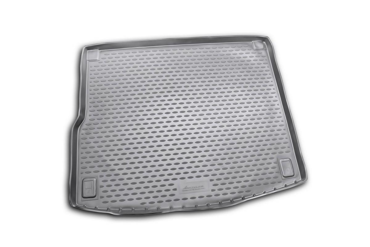 Коврик в багажник автомобиля Novline-Autofamily для VW Touareg, 2010 -FS-80423Автомобильный коврик в багажник позволит вам без особых усилий содержать в чистоте багажный отсек вашего авто и при этом перевозить в нем абсолютно любые грузы. Такой автомобильный коврик гарантированно защитит багажник вашего автомобиля от грязи, мусора и пыли, которые постоянно скапливаются в этом отсеке. А кроме того, поддон не пропускает влагу. Все это надолго убережет важную часть кузова от износа. Мыть коврик для багажника из полиуретана можно любыми чистящими средствами или просто водой. При этом много времени уборка не отнимет, ведь полиуретан устойчив к загрязнениям.Если вам приходится перевозить в багажнике тяжелые грузы, за сохранность автоковрика можете не беспокоиться. Он сделан из прочного материала, который не деформируется при механических нагрузках и устойчив даже к экстремальным температурам. А кроме того, коврик для багажника надежно фиксируется и не сдвигается во время поездки - это дополнительная гарантия сохранности вашего багажа.