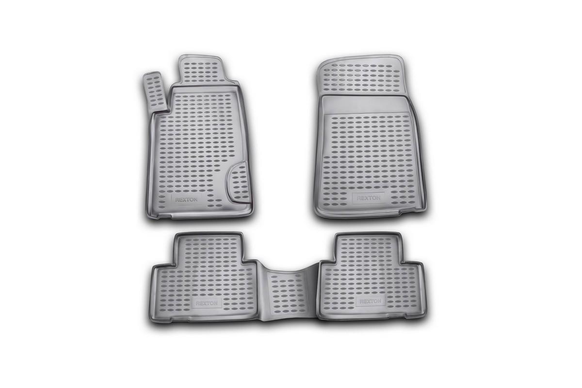 Набор автомобильных ковриков Novline-Autofamily для SsangYong Rexton 2001-2006, в салон, 4 штВетерок 2ГФНабор автомобильных ковриков Novline-Autofamily, изготовленный из полиуретана, состоит из 4 ковриков, которые учитывают все особенности каждой модели автомобиля и полностью повторяют контуры пола. Полиуретановые автомобильные коврики для салона произведены из высококачественного материала, который держит форму, прочный и не пачкает обувь. Коврики в салон не только улучшат внешний вид салона вашего автомобиля, но и надежно уберегут его от пыли, грязи и сырости, а значит, защитят кузов от коррозии. Полиуретановые коврики для автомобиля гладкие, приятные и не пропускают влагу. Ковры для автомобилей надежно крепятся на полу и не скользят, что очень важно во время движения. Чистятся коврики очень просто: как при помощи автомобильного пылесоса, так и различными моющими средствами. Набор подходит для SsangYong Rexton 2001-2006 годов выпуска.