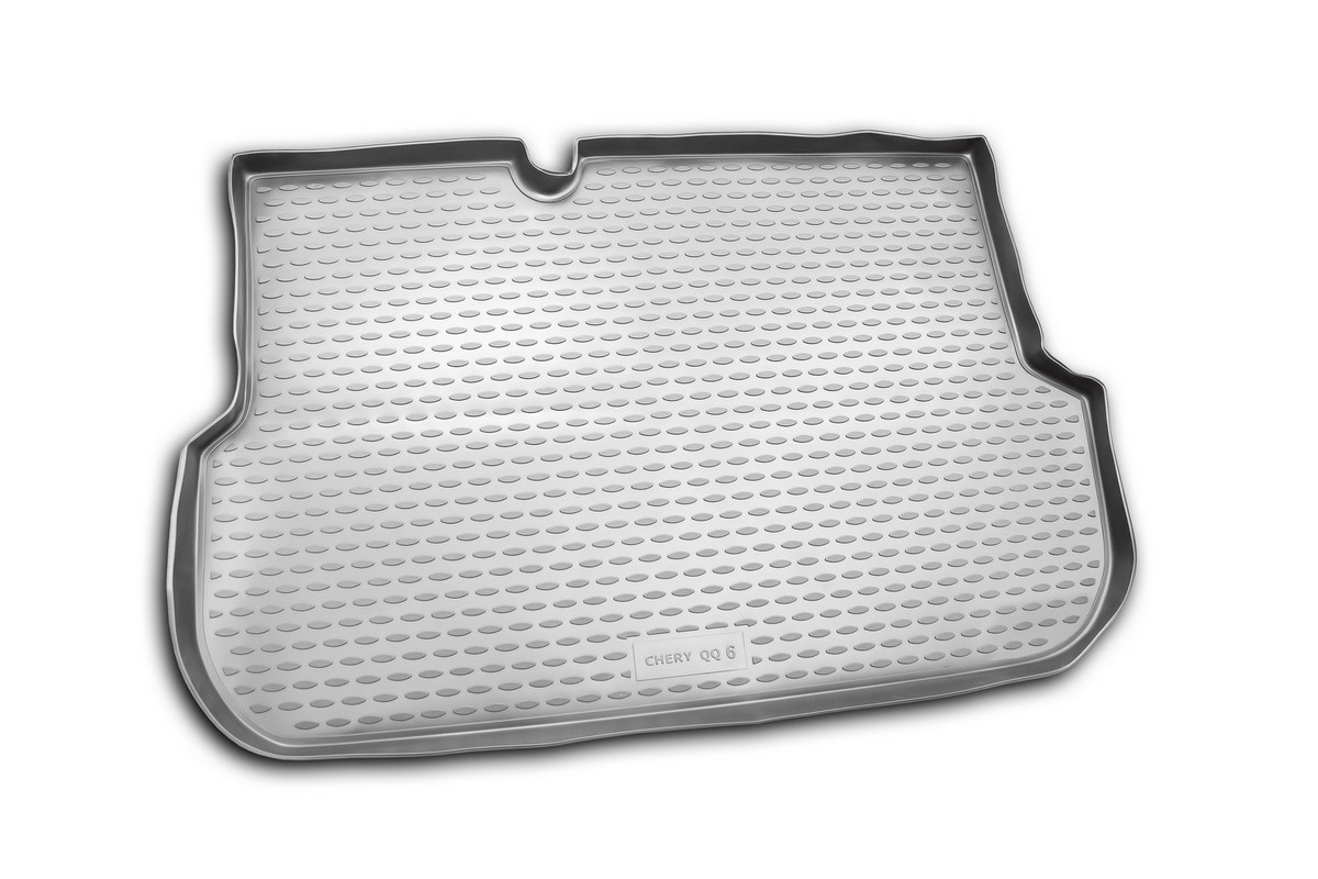 Коврик автомобильный Novline-Autofamily для Chery QQ6 седан 2006-, в багажник. NLC.63.05.B10NLC.63.05.B10Автомобильный коврик Novline-Autofamily, изготовленный из полиуретана, позволит вам без особых усилий содержать в чистоте багажный отсек вашего авто и при этом перевозить в нем абсолютно любые грузы. Этот модельный коврик идеально подойдет по размерам багажнику вашего автомобиля. Такой автомобильный коврик гарантированно защитит багажник от грязи, мусора и пыли, которые постоянно скапливаются в этом отсеке. А кроме того, поддон не пропускает влагу. Все это надолго убережет важную часть кузова от износа. Коврик в багажнике сильно упростит для вас уборку. Согласитесь, гораздо проще достать и почистить один коврик, нежели весь багажный отсек. Тем более, что поддон достаточно просто вынимается и вставляется обратно. Мыть коврик для багажника из полиуретана можно любыми чистящими средствами или просто водой. При этом много времени у вас уборка не отнимет, ведь полиуретан устойчив к загрязнениям.Если вам приходится перевозить в багажнике тяжелые грузы, за сохранность коврика можете не беспокоиться. Он сделан из прочного материала, который не деформируется при механических нагрузках и устойчив даже к экстремальным температурам. А кроме того, коврик для багажника надежно фиксируется и не сдвигается во время поездки, что является дополнительной гарантией сохранности вашего багажа.Коврик имеет форму и размеры, соответствующие модели данного автомобиля.