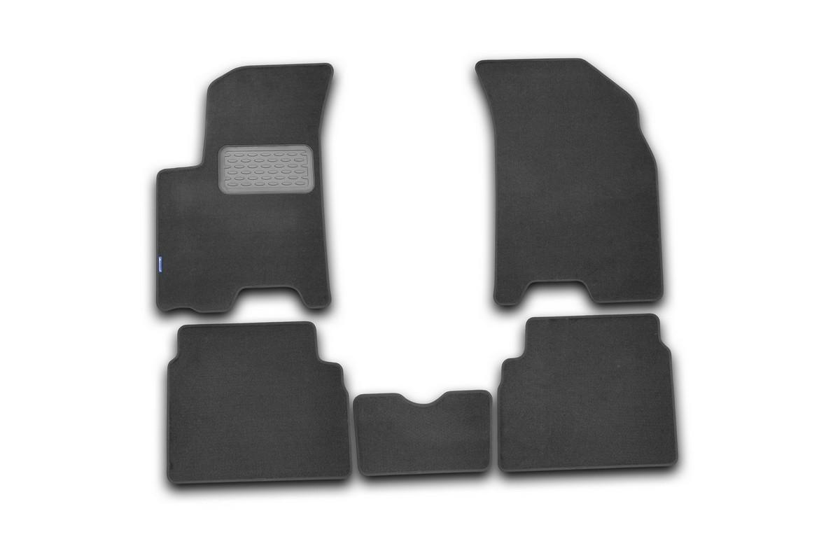 Набор автомобильных ковриков Novline-Autofamily для Chevrolet Aveo 2008, седан/хэтчбек, в салон, 5 штNLC.48.10.B11Набор автомобильных ковриков Novline-Autofamily, изготовленный из текстиля, состоит из 5 ковриков, которые учитывают все особенности каждой модели автомобиля и полностью повторяют контуры пола. Текстильные автомобильные коврики для салона произведены из высококачественного материала, который держит форму, прочный и не пачкает обувь. Коврики в салон не только улучшат внешний вид салона вашего автомобиля, но и надежно уберегут его от пыли, грязи и сырости, а значит, защитят кузов от коррозии. Текстильные коврики для автомобиля мягкие и приятные, а их основа из вспененного полиуретана не пропускает влагу. Ковры для автомобилей надежно крепятся на полу и не скользят, что очень важно во время движения. Чистятся коврики очень просто: как при помощи автомобильного пылесоса, так и различными моющими средствами. Набор подходит для Chevrolet Aveo седан/хэтчбек с 2008 года выпуска.