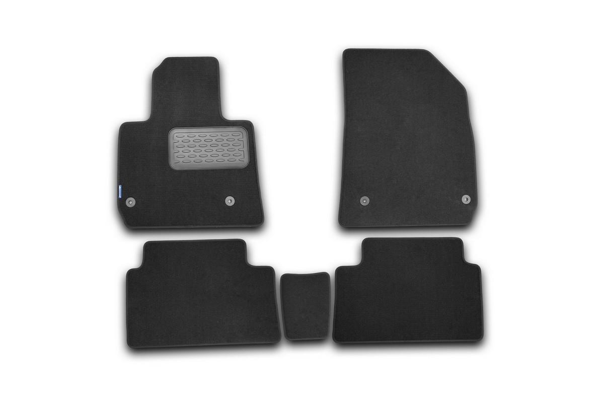 Набор автомобильных ковриков Novline-Autofamily для Citroen C5 2008-, седан/универсал, в салон, 5 штFS-80264Набор автомобильных ковриков Novline-Autofamily, изготовленный из текстиля, состоит из 5 ковриков, которые учитывают все особенности каждой модели автомобиля и полностью повторяют контуры пола. Текстильные автомобильные коврики для салона произведены из высококачественного материала, который держит форму, прочный и не пачкает обувь. Коврики в салон не только улучшат внешний вид салона вашего автомобиля, но и надежно уберегут его от пыли, грязи и сырости, а значит, защитят кузов от коррозии. Текстильные коврики для автомобиля мягкие и приятные, а их основа из вспененного полиуретана не пропускает влагу. Ковры для автомобилей надежно крепятся на полу и не скользят, что очень важно во время движения. Чистятся коврики очень просто: как при помощи автомобильного пылесоса, так и различными моющими средствами. Набор подходит для Citroen C5 седан/универсал с 2008 года выпуска.