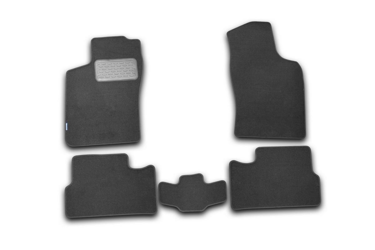 Набор автомобильных ковриков Novline-Autofamily для Daewoo Nexia 2008-, седан, в салон, 5 штВетерок 2ГФНабор автомобильных ковриков Novline-Autofamily, изготовленный из текстиля, состоит из 5 ковриков, которые учитывают все особенности каждой модели автомобиля и полностью повторяют контуры пола. Текстильные автомобильные коврики для салона произведены из высококачественного материала, который держит форму, прочный и не пачкает обувь. Коврики в салон не только улучшат внешний вид салона вашего автомобиля, но и надежно уберегут его от пыли, грязи и сырости, а значит, защитят кузов от коррозии. Текстильные коврики для автомобиля мягкие и приятные, а их основа из вспененного полиуретана не пропускает влагу. Ковры для автомобилей надежно крепятся на полу и не скользят, что очень важно во время движения. Чистятся коврики очень просто: как при помощи автомобильного пылесоса, так и различными моющими средствами. Набор подходит для Daewoo Nexia седан с 2008 года выпуска.