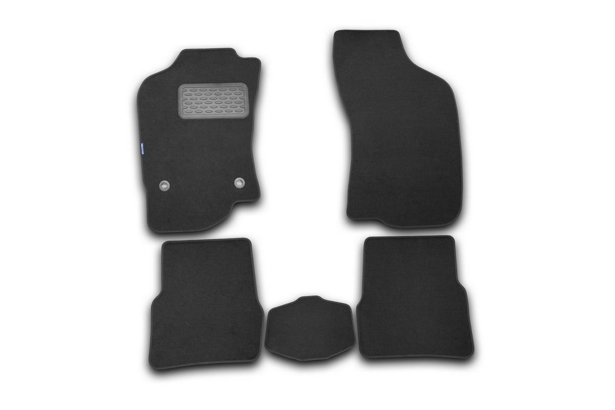 Набор автомобильных ковриков Novline-Autofamily для Fiat Albea 2002-, седан, в салон, 5 шт98291124Набор автомобильных ковриков Novline-Autofamily, изготовленный из текстиля, состоит из 5 ковриков, которые учитывают все особенности каждой модели автомобиля и полностью повторяют контуры пола. Текстильные автомобильные коврики для салона произведены из высококачественного материала, который держит форму, прочный и не пачкает обувь. Коврики в салон не только улучшат внешний вид салона вашего автомобиля, но и надежно уберегут его от пыли, грязи и сырости, а значит, защитят кузов от коррозии. Текстильные коврики для автомобиля мягкие и приятные, а их основа из вспененного полиуретана не пропускает влагу. Ковры для автомобилей надежно крепятся на полу и не скользят, что очень важно во время движения. Чистятся коврики очень просто: как при помощи автомобильного пылесоса, так и различными моющими средствами. Набор подходит для Fiat Albea седан с 2002 года выпуска.