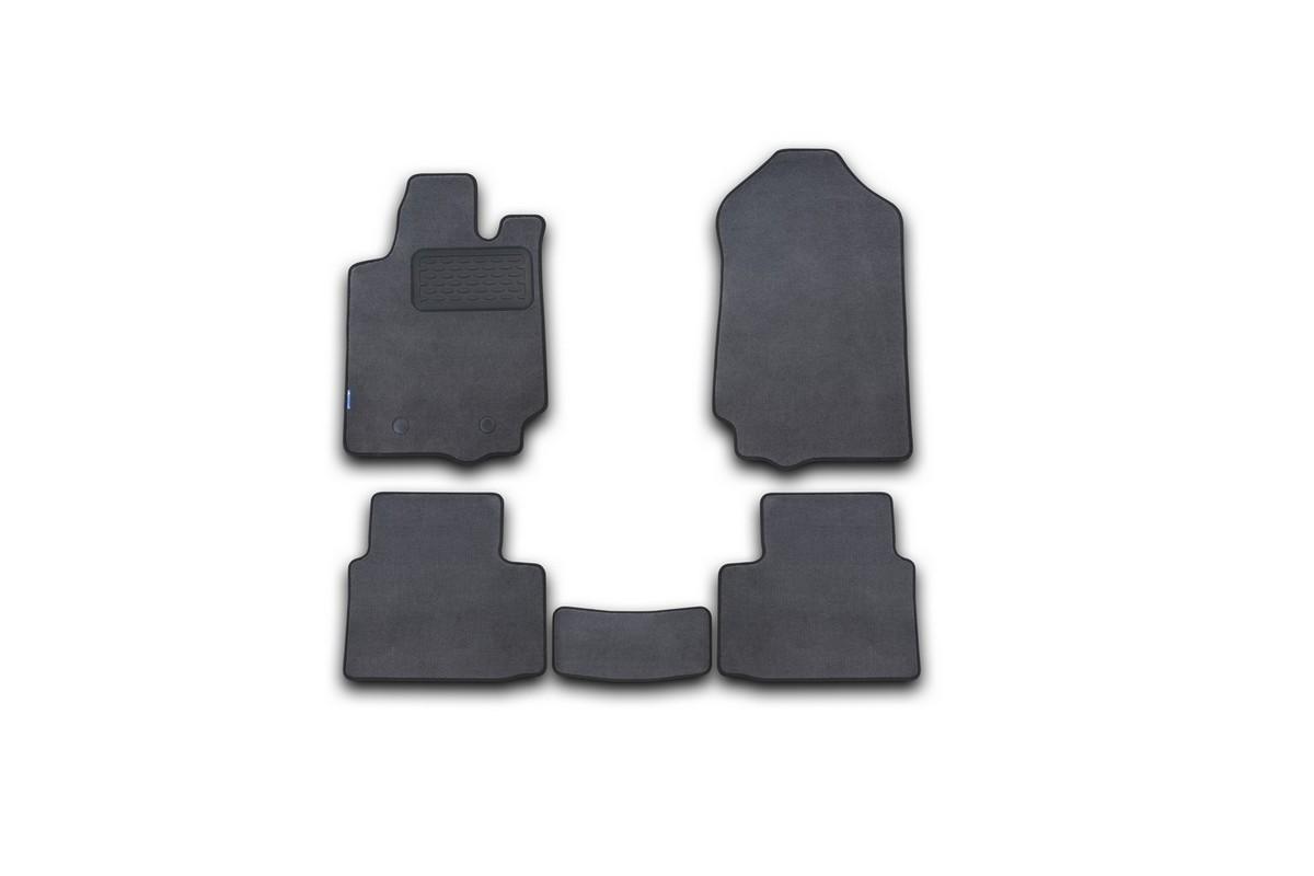 Набор автомобильных ковриков Novline-Autofamily для Ford Ranger RAP Cab 2011-, пикап, в салон, 5 штa030071Набор автомобильных ковриков Novline-Autofamily, изготовленный из текстиля, состоит из 5 ковриков, которые учитывают все особенности каждой модели автомобиля и полностью повторяют контуры пола. Текстильные автомобильные коврики для салона произведены из высококачественного материала, который держит форму, прочный и не пачкает обувь. Коврики в салон не только улучшат внешний вид салона вашего автомобиля, но и надежно уберегут его от пыли, грязи и сырости, а значит, защитят кузов от коррозии. Текстильные коврики для автомобиля мягкие и приятные, а их основа из вспененного полиуретана не пропускает влагу. Ковры для автомобилей надежно крепятся на полу и не скользят, что очень важно во время движения. Чистятся коврики очень просто: как при помощи автомобильного пылесоса, так и различными моющими средствами. Набор подходит для Ford Ranger RAP Cab пикап с 2011 года выпуска.