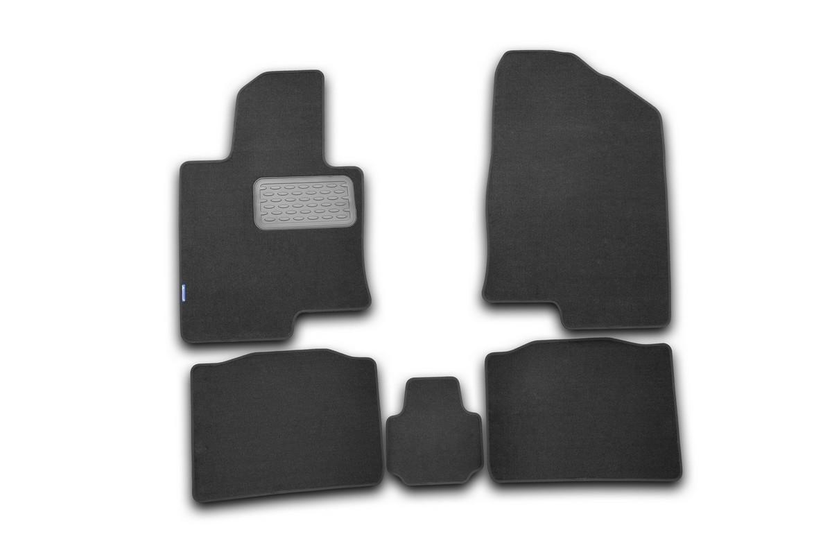 Набор автомобильных ковриков Novline-Autofamily для Hyundai Sonata YF 2010-, седан, в салон, 5 штВетерок 2ГФНабор автомобильных ковриков Novline-Autofamily, изготовленный из текстиля, состоит из 5 ковриков, которые учитывают все особенности каждой модели автомобиля и полностью повторяют контуры пола. Текстильные автомобильные коврики для салона произведены из высококачественного материала, который держит форму, прочный и не пачкает обувь. Коврики в салон не только улучшат внешний вид салона вашего автомобиля, но и надежно уберегут его от пыли, грязи и сырости, а значит, защитят кузов от коррозии. Текстильные коврики для автомобиля мягкие и приятные, а их основа из вспененного полиуретана не пропускает влагу. Ковры для автомобилей надежно крепятся на полу и не скользят, что очень важно во время движения. Чистятся коврики очень просто: как при помощи автомобильного пылесоса, так и различными моющими средствами. Набор подходит для Hyundai Sonata YF седан с 2010 года выпуска.