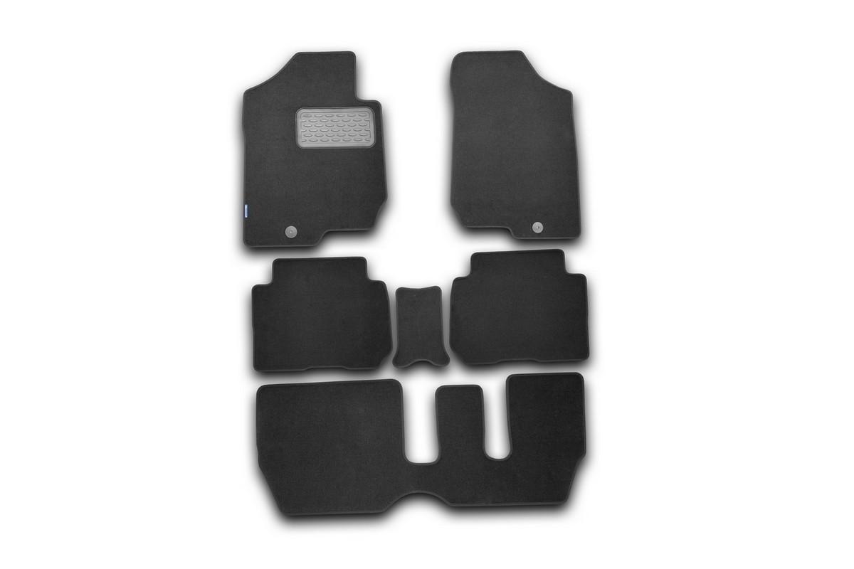 Набор автомобильных ковриков Novline-Autofamily для Kia Carens 2006-, универсал, в салон, 6 штTEMP-05Набор автомобильных ковриков Novline-Autofamily, изготовленный из текстиля, состоит из 6 ковриков, которые учитывают все особенности каждой модели автомобиля и полностью повторяют контуры пола. Текстильные автомобильные коврики для салона произведены из высококачественного материала, который держит форму, прочный и не пачкает обувь. Коврики в салон не только улучшат внешний вид салона вашего автомобиля, но и надежно уберегут его от пыли, грязи и сырости, а значит, защитят кузов от коррозии. Текстильные коврики для автомобиля мягкие и приятные, а их основа из вспененного полиуретана не пропускает влагу. Ковры для автомобилей надежно крепятся на полу и не скользят, что очень важно во время движения. Чистятся коврики очень просто: как при помощи автомобильного пылесоса, так и различными моющими средствами. Набор подходит для Kia Carens универсал с 2006 года выпуска.
