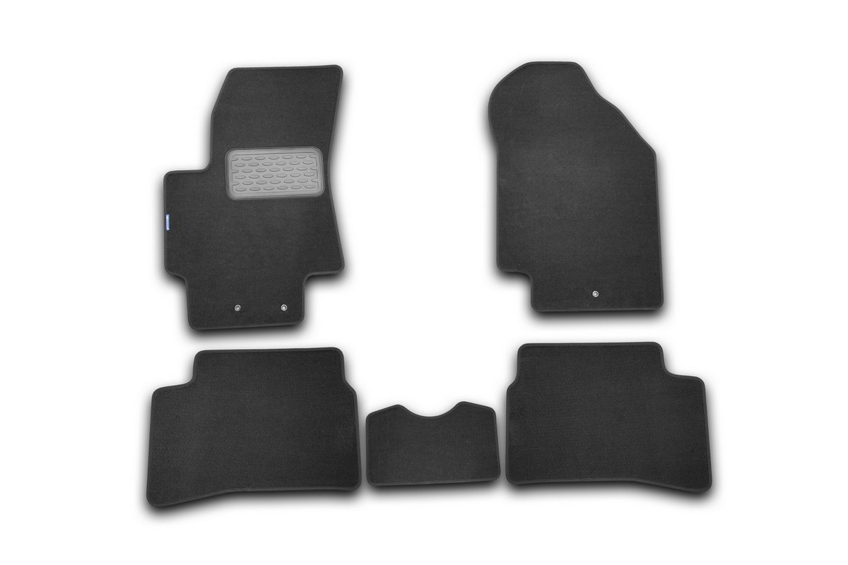 Набор автомобильных ковриков Novline-Autofamily для Kia Rio III 2005-2011, хэтчбек/седан, в салон, 5 штАксион Т-33Набор автомобильных ковриков Novline-Autofamily, изготовленный из текстиля, состоит из 5 ковриков, которые учитывают все особенности каждой модели автомобиля и полностью повторяют контуры пола. Текстильные автомобильные коврики для салона произведены из высококачественного материала, который держит форму, прочный и не пачкает обувь. Коврики в салон не только улучшат внешний вид салона вашего автомобиля, но и надежно уберегут его от пыли, грязи и сырости, а значит, защитят кузов от коррозии. Текстильные коврики для автомобиля мягкие и приятные, а их основа из вспененного полиуретана не пропускает влагу. Ковры для автомобилей надежно крепятся на полу и не скользят, что очень важно во время движения. Чистятся коврики очень просто: как при помощи автомобильного пылесоса, так и различными моющими средствами. Набор подходит для Kia Rio III хэтчбек/седан 2005-2011 годов выпуска.