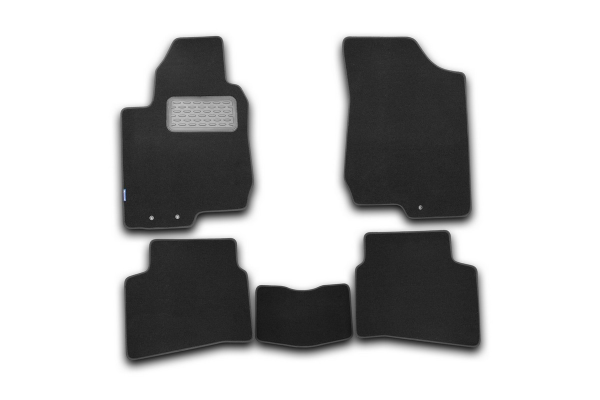 Набор автомобильных ковриков Novline-Autofamily для Kia Pro Ceed 2011-, хэтчбек, в салон, 5 шт. NLT.25.38.22.110khВетерок 2ГФНабор автомобильных ковриков Novline-Autofamily, изготовленный из текстиля, состоит из 5 ковриков, которые учитывают все особенности каждой модели автомобиля и полностью повторяют контуры пола. Текстильные автомобильные коврики для салона произведены из высококачественного материала, который держит форму, прочный и не пачкает обувь. Коврики в салон не только улучшат внешний вид салона вашего автомобиля, но и надежно уберегут его от пыли, грязи и сырости, а значит, защитят кузов от коррозии. Текстильные коврики для автомобиля мягкие и приятные, а их основа из вспененного полиуретана не пропускает влагу. Ковры для автомобилей надежно крепятся на полу и не скользят, что очень важно во время движения. Чистятся коврики очень просто: как при помощи автомобильного пылесоса, так и различными моющими средствами. Набор подходит для Kia Pro Ceed хэтчбек с 2011 года выпуска.