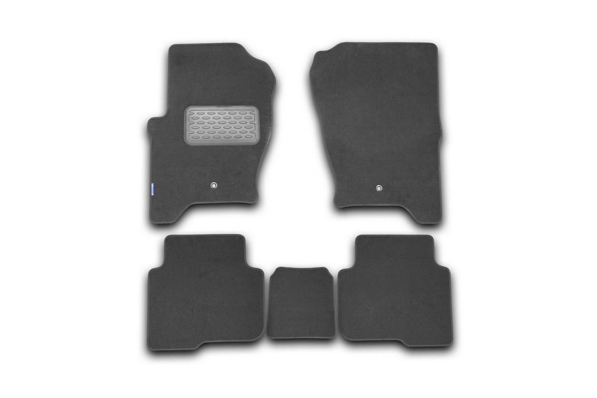Набор автомобильных ковриков Novline-Autofamily для Land Rover Discovery 4 2010-2014, внедорожник, в салон, 5 штFS-80264Набор автомобильных ковриков Novline-Autofamily, изготовленный из текстиля, состоит из 5 ковриков, которые учитывают все особенности каждой модели автомобиля и полностью повторяют контуры пола. Текстильные автомобильные коврики для салона произведены из высококачественного материала, который держит форму, прочный и не пачкает обувь. Коврики в салон не только улучшат внешний вид салона вашего автомобиля, но и надежно уберегут его от пыли, грязи и сырости, а значит, защитят кузов от коррозии. Текстильные коврики для автомобиля мягкие и приятные, а их основа из вспененного полиуретана не пропускает влагу. Ковры для автомобилей надежно крепятся на полу и не скользят, что очень важно во время движения. Чистятся коврики очень просто: как при помощи автомобильного пылесоса, так и различными моющими средствами. Набор подходит для Land Rover Discovery 4 внедорожник 2010-2014 годов выпуска.