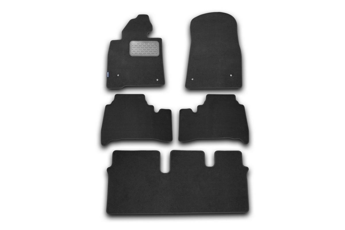 Набор автомобильных ковриков Novline-Autofamily для Lexus LX 570 2007-, универсал, в салон, 5 шт240000Набор автомобильных ковриков Novline-Autofamily, изготовленный из текстиля, состоит из 5 ковриков, которые учитывают все особенности каждой модели автомобиля и полностью повторяют контуры пола. Текстильные автомобильные коврики для салона произведены из высококачественного материала, который держит форму, прочный и не пачкает обувь. Коврики в салон не только улучшат внешний вид салона вашего автомобиля, но и надежно уберегут его от пыли, грязи и сырости, а значит, защитят кузов от коррозии. Текстильные коврики для автомобиля мягкие и приятные, а их основа из вспененного полиуретана не пропускает влагу. Ковры для автомобилей надежно крепятся на полу и не скользят, что очень важно во время движения. Чистятся коврики очень просто: как при помощи автомобильного пылесоса, так и различными моющими средствами. Набор подходит для Lexus LX 570 универсал с 2007 года выпуска.