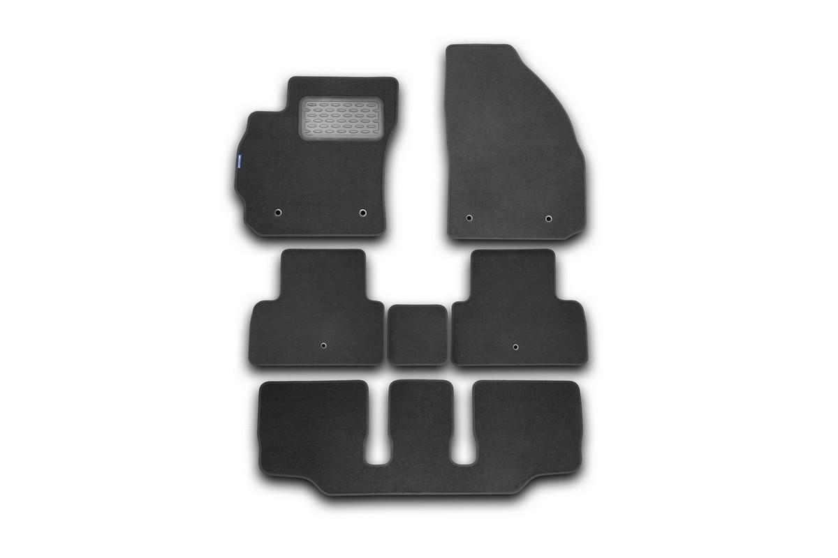 Набор автомобильных ковриков Novline-Autofamily для Mazda 5 АКПП 2011-, минивэн, в салон, 6 шт. NLT.33.19.11.110khNLC.28.12.210hНабор автомобильных ковриков Novline-Autofamily, изготовленный из текстиля, состоит из 6 ковриков, которые учитывают все особенности каждой модели автомобиля и полностью повторяют контуры пола. Текстильные автомобильные коврики для салона произведены из высококачественного материала, который держит форму, прочный и не пачкает обувь. Коврики в салон не только улучшат внешний вид салона вашего автомобиля, но и надежно уберегут его от пыли, грязи и сырости, а значит, защитят кузов от коррозии. Текстильные коврики для автомобиля мягкие и приятные, а их основа из вспененного полиуретана не пропускает влагу. Ковры для автомобилей надежно крепятся на полу и не скользят, что очень важно во время движения. Чистятся коврики очень просто: как при помощи автомобильного пылесоса, так и различными моющими средствами. Набор подходит для Mazda 5 АКПП минивэн с 2011 года выпуска.