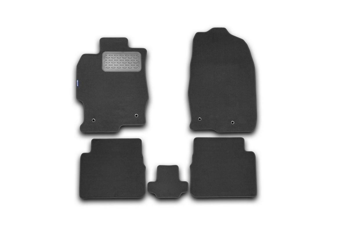 Набор автомобильных ковриков Novline-Autofamily для Mazda 6 АКПП 2010-2012, седан, в салон, 5 штDH2400D/ORНабор автомобильных ковриков Novline-Autofamily, изготовленный из текстиля, состоит из 5 ковриков, которые учитывают все особенности каждой модели автомобиля и полностью повторяют контуры пола. Текстильные автомобильные коврики для салона произведены из высококачественного материала, который держит форму, прочный и не пачкает обувь. Коврики в салон не только улучшат внешний вид салона вашего автомобиля, но и надежно уберегут его от пыли, грязи и сырости, а значит, защитят кузов от коррозии. Текстильные коврики для автомобиля мягкие и приятные, а их основа из вспененного полиуретана не пропускает влагу. Ковры для автомобилей надежно крепятся на полу и не скользят, что очень важно во время движения. Чистятся коврики очень просто: как при помощи автомобильного пылесоса, так и различными моющими средствами. Набор подходит для Mazda 6 АКПП седан 2010-2012 годов выпуска.