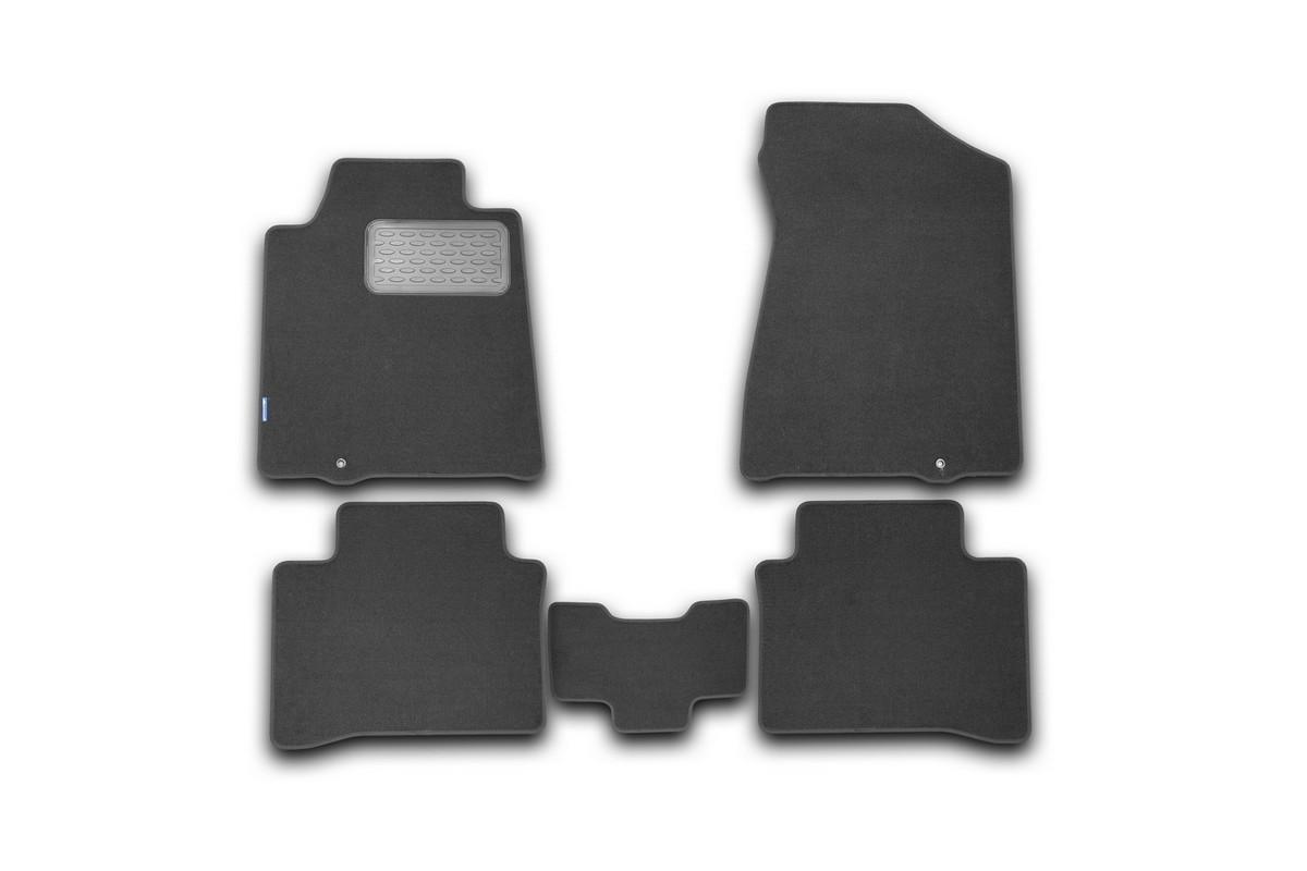 Набор автомобильных ковриков Novline-Autofamily для Nissan Teana II 2008-2014, седан, в салон, 5 штUdd500leНабор автомобильных ковриков Novline-Autofamily, изготовленный из текстиля, состоит из 5 ковриков, которые учитывают все особенности каждой модели автомобиля и полностью повторяют контуры пола. Текстильные автомобильные коврики для салона произведены из высококачественного материала, который держит форму, прочный и не пачкает обувь. Коврики в салон не только улучшат внешний вид салона вашего автомобиля, но и надежно уберегут его от пыли, грязи и сырости, а значит, защитят кузов от коррозии. Текстильные коврики для автомобиля мягкие и приятные, а их основа из вспененного полиуретана не пропускает влагу. Ковры для автомобилей надежно крепятся на полу и не скользят, что очень важно во время движения. Чистятся коврики очень просто: как при помощи автомобильного пылесоса, так и различными моющими средствами. Набор подходит для Nissan Teana II седан 2008-2014 годов выпуска.